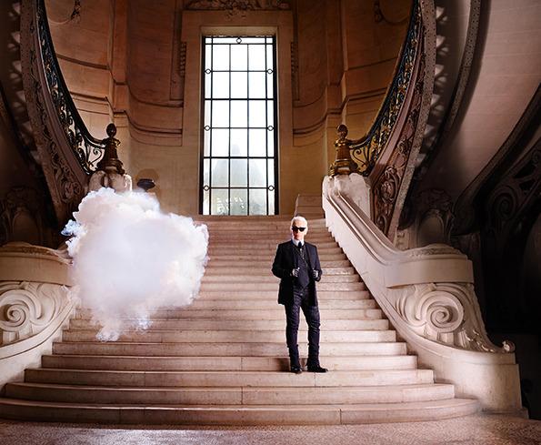 Berndnaut-Smilde_-The-In-Cloud---Kar-l-Lagerfeld_-2013_-Courtesy-the-artist_-Harper's-Bazaar-and-Ronchini-Gallery.-Photo-credit-Simon-Procter-..jpg