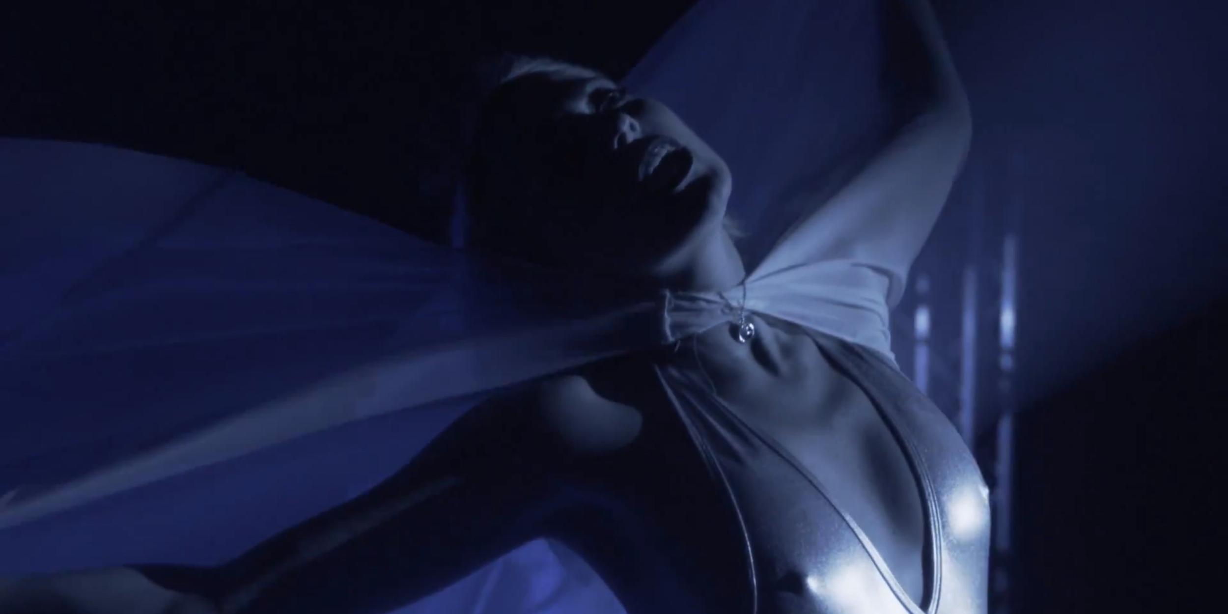 Cloak-Lauren4.png