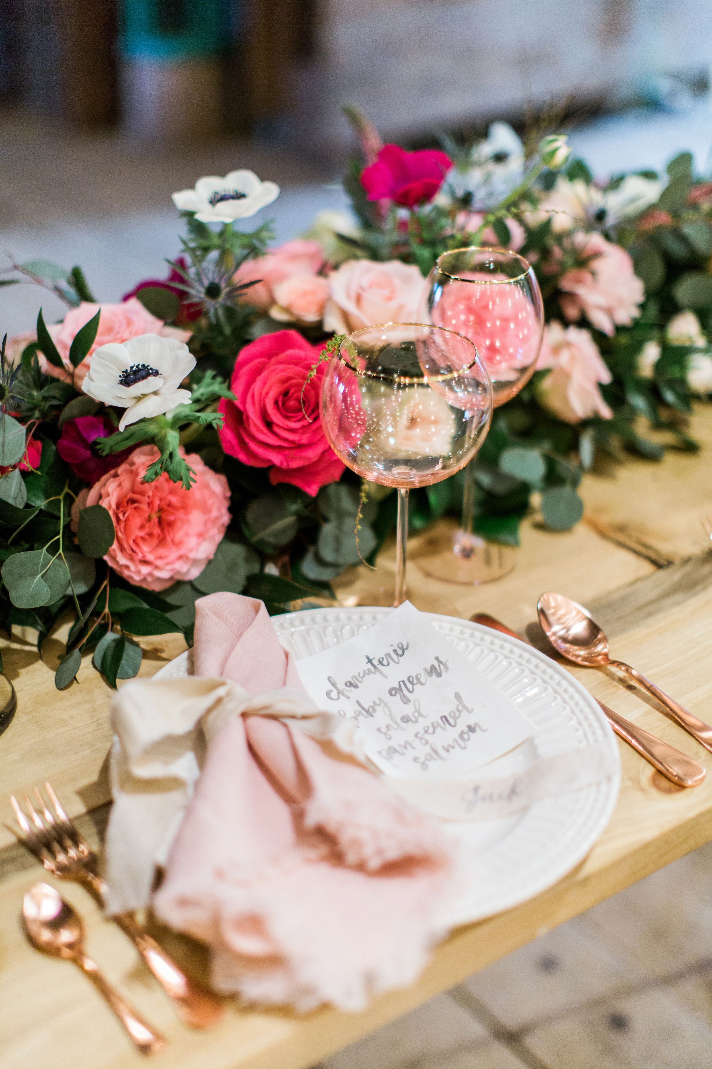 menu + ribbon calligraphy: hello, bird. // florals: ilonka florals // furniture: maggpie vintage rentals // photo by emily wren photography