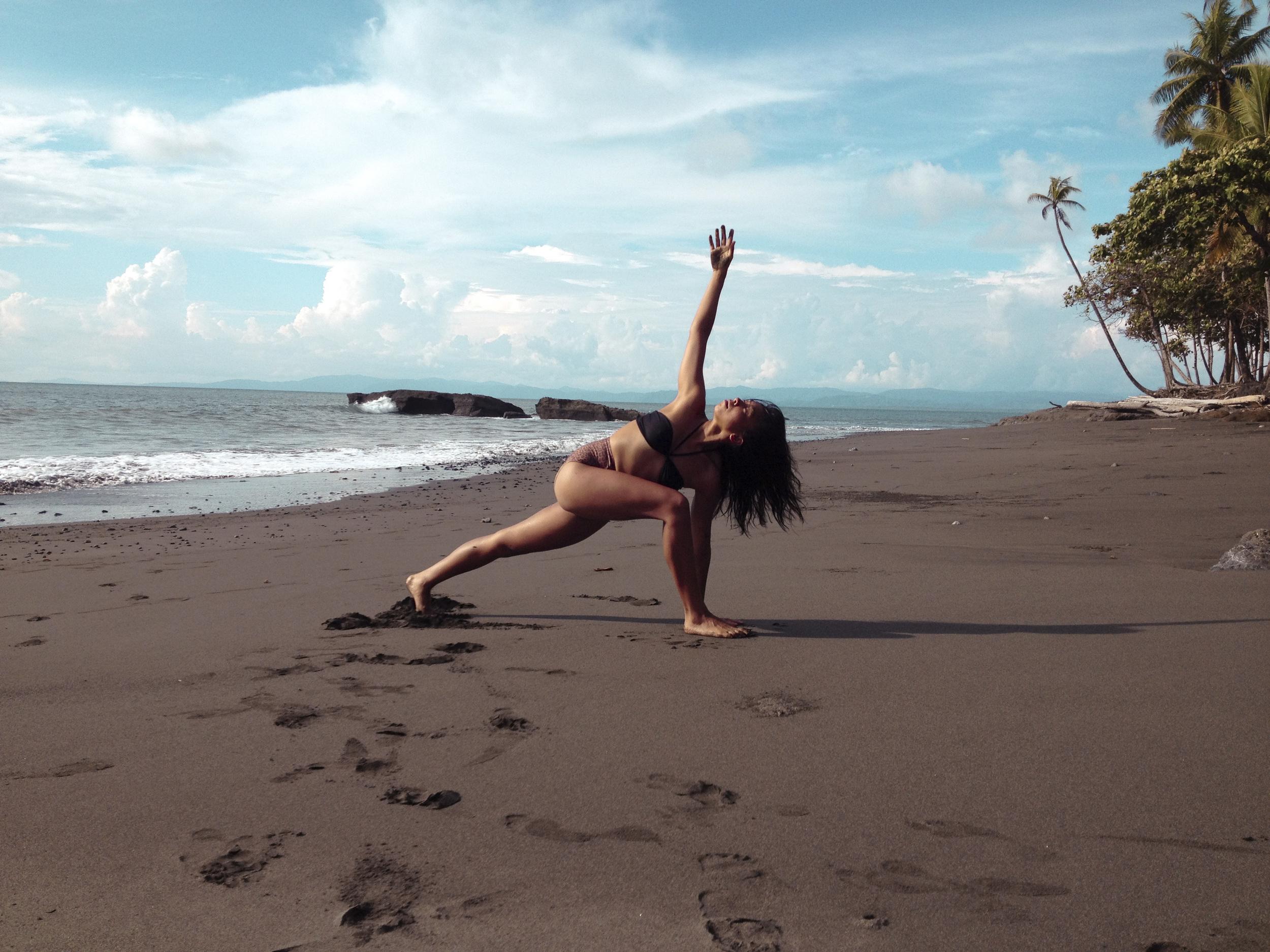 Beach Yoga5.jpg