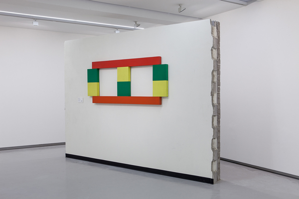 Fiona Connor,  Wallworks , 2014 (featuring Trevor Vickers, Untitled Painting, 1968) Photo: Andrew Curtis