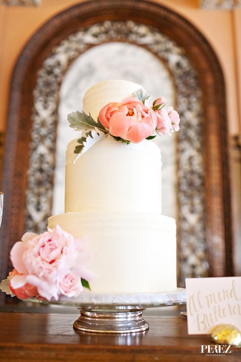 custom-wedding-cake-ivory-texture-freshpeonies.jpg