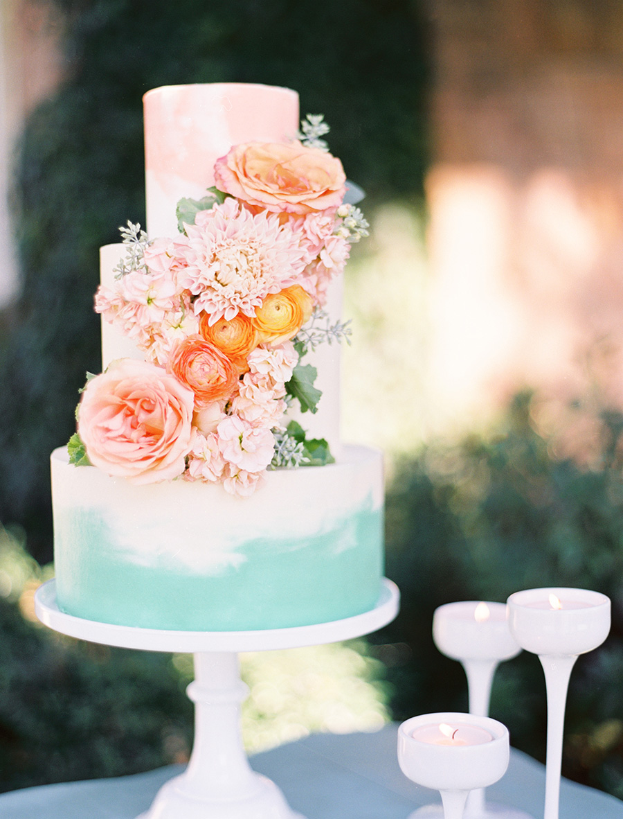 custom-wedding-cake-painted-watercolor-cascading-flowers-sugarbeesweets.jpg