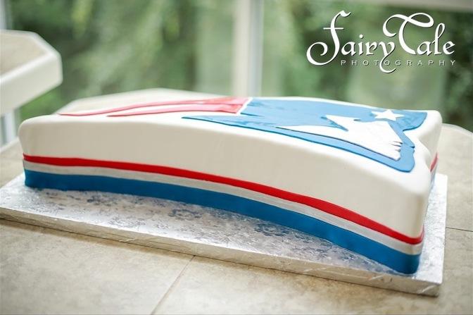 custom-grooms-cake-newengland-patriots-sugarbeesweets.jpg