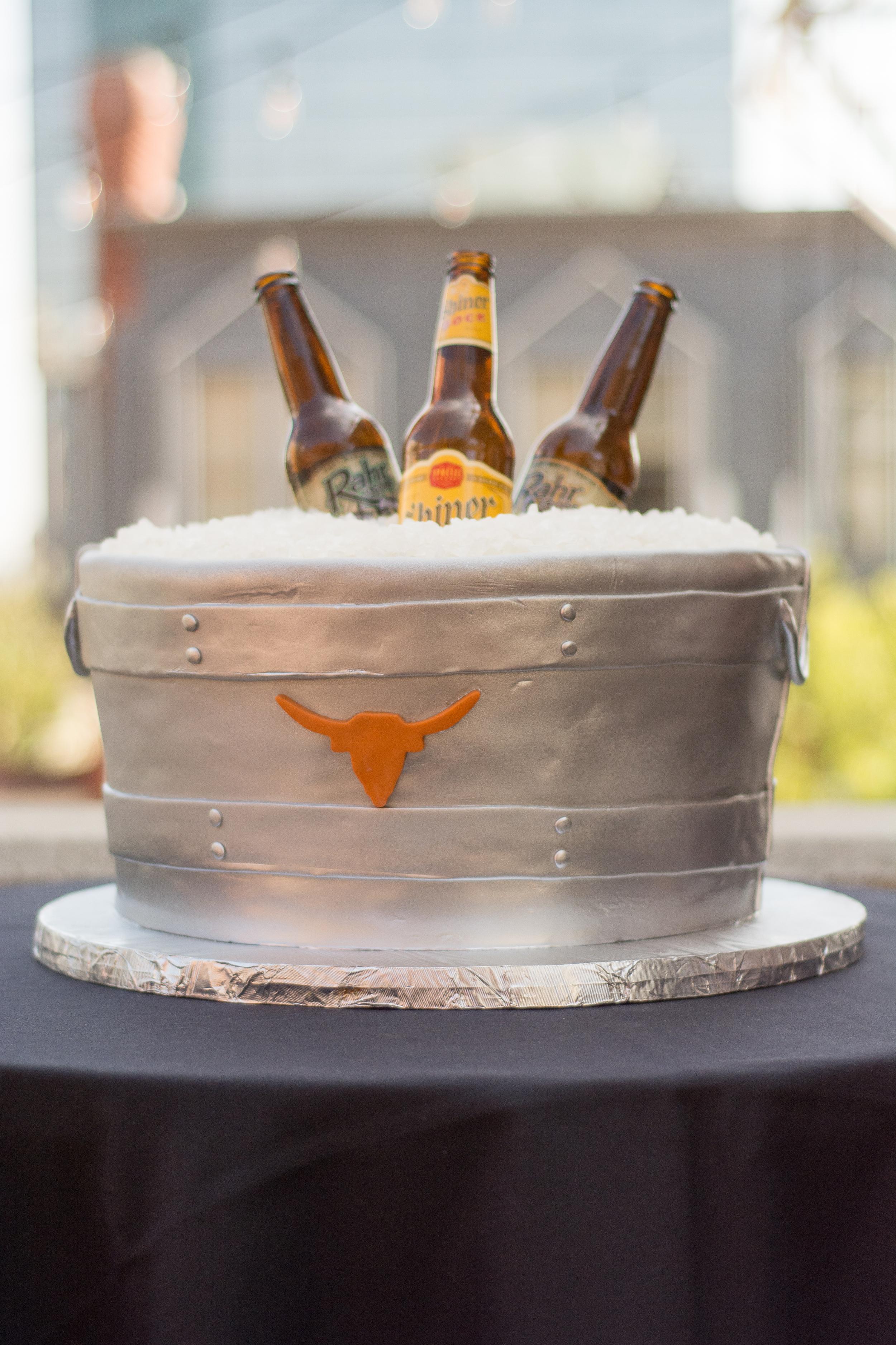 Galvanized_beer_tub_grooms_cake_UT_Longhorns_sugarbeesweets.JPG