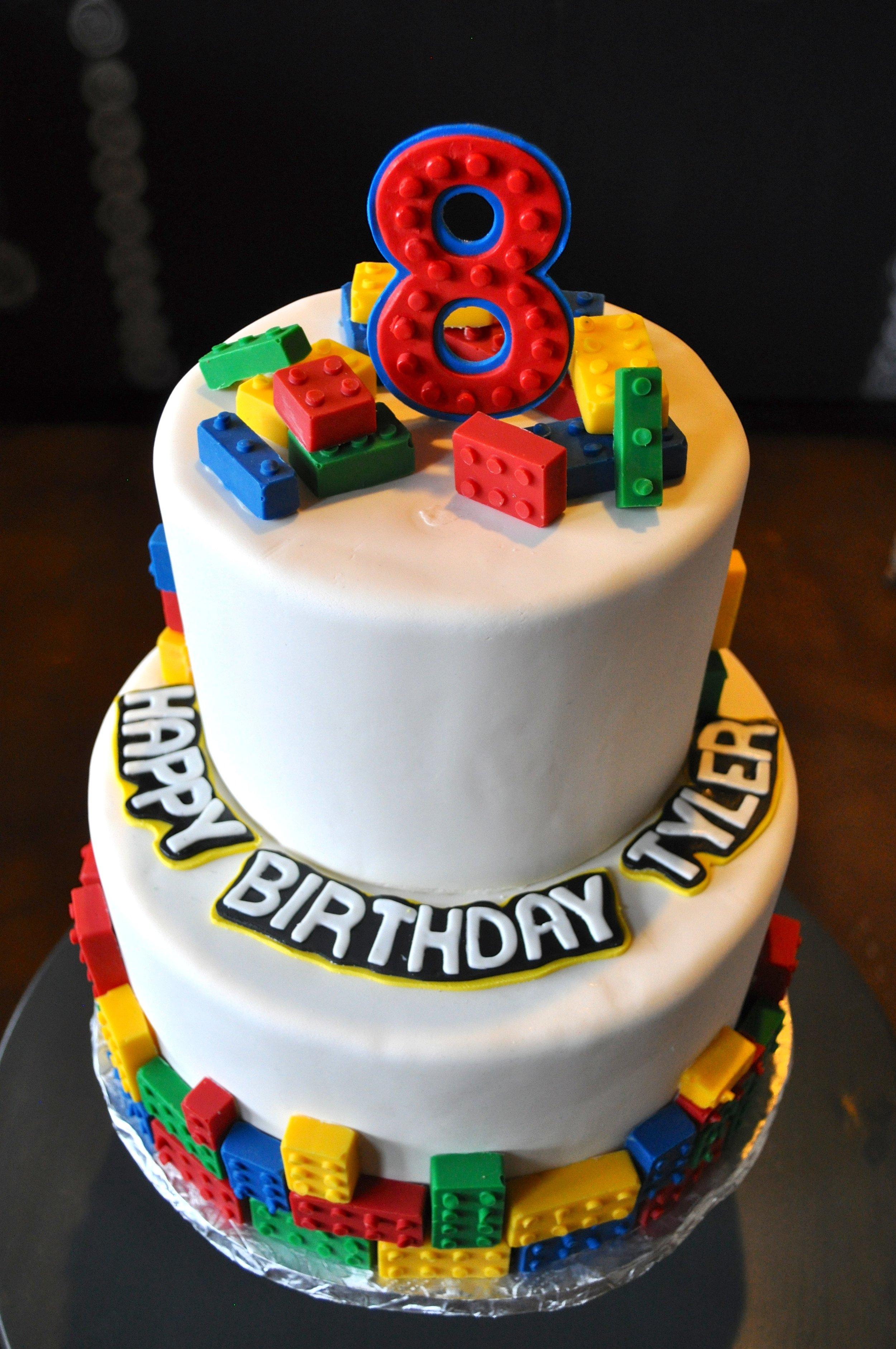 Lego Birthday Cake_2.jpg