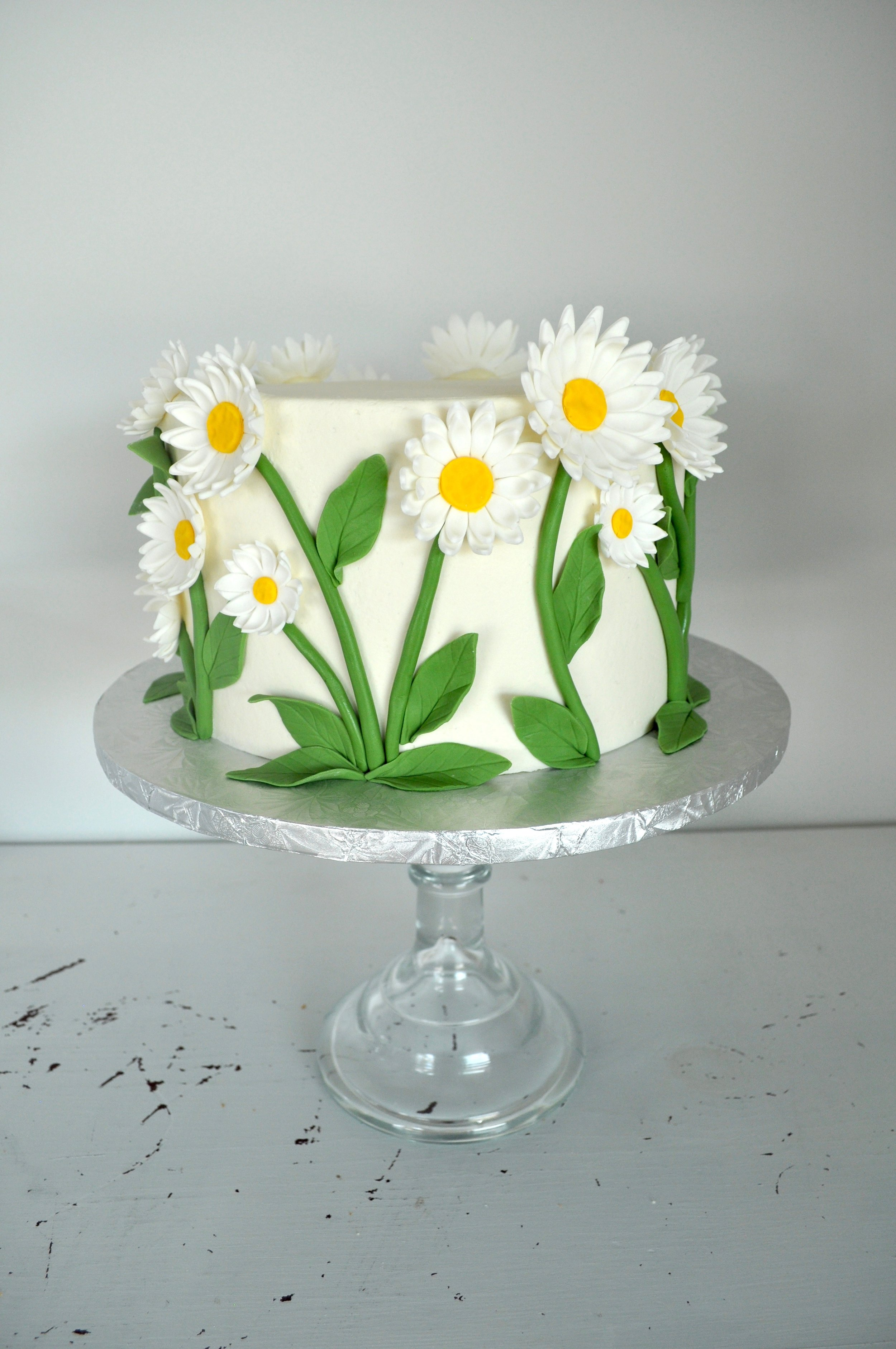 21 Daisy Cake.jpeg