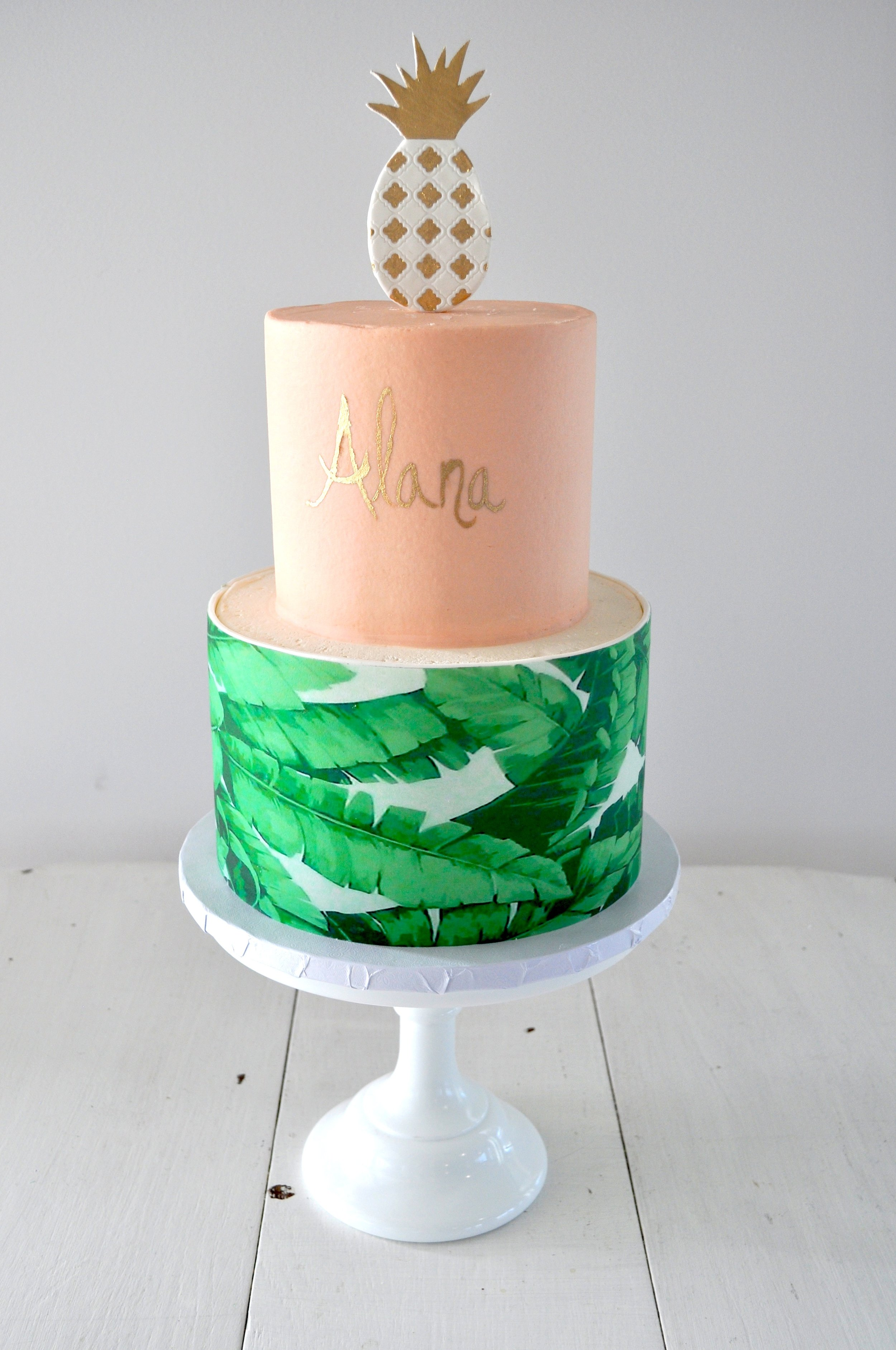 custom-cake-pineapple-palmfrond-sugarbeesweets.jpg