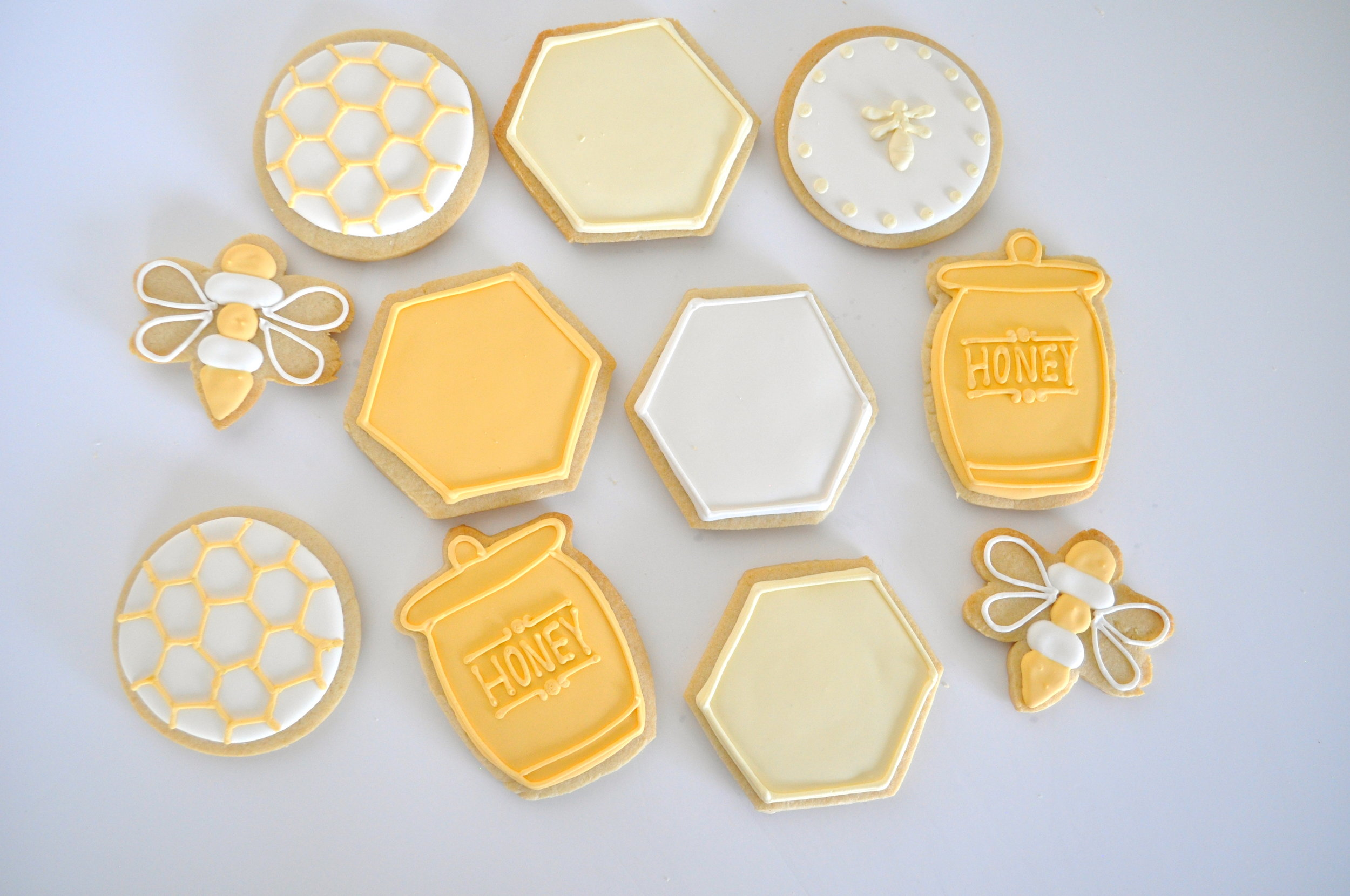 honey bee sugar cookies.jpg