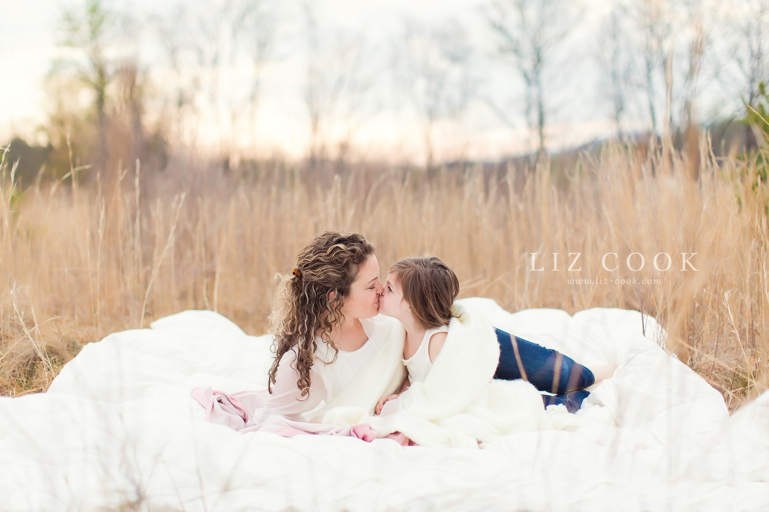 mommy_and_me_mini_sessions_0001.jpg