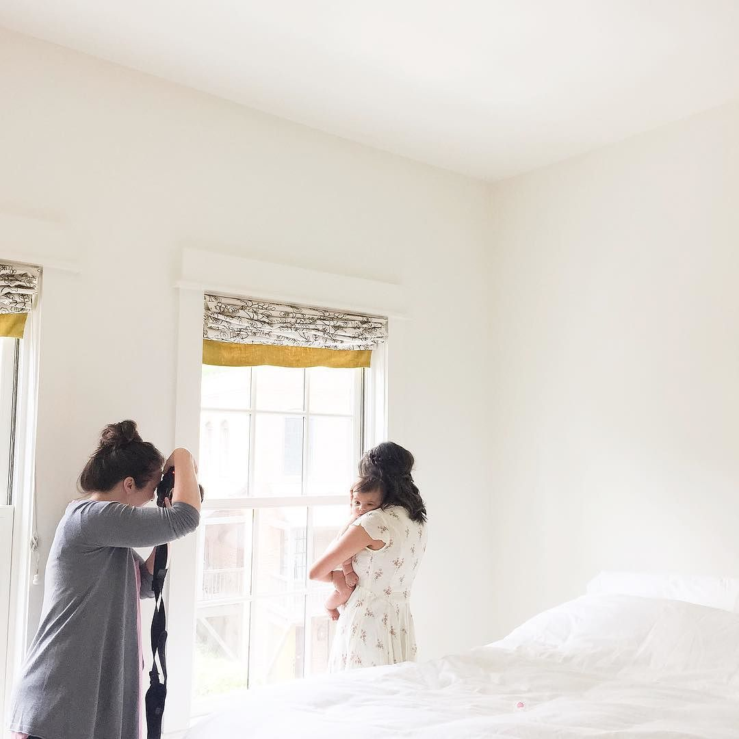 Oh_you_know__just_watching__tiffanylfarley_shoot_in_a_photographer_s_dream_space.__fountworkshops__lizcookphoto.jpg