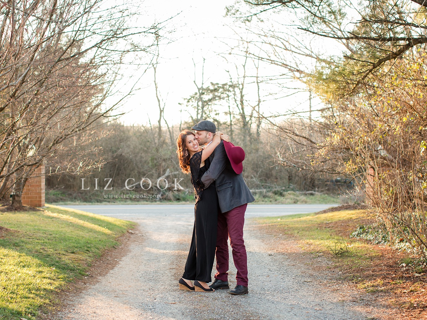 glencliff_manor_engagement_liz_cook_photography__0021.jpg