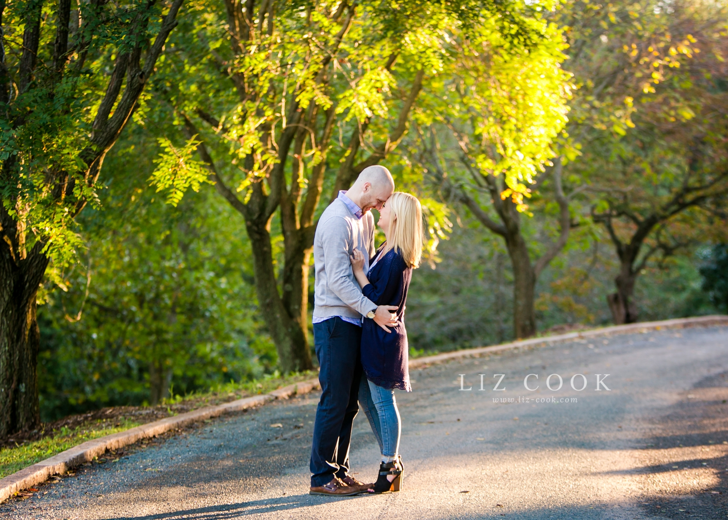 lynchburg-virginia-old-city-cemetery-engagement-pictures_0003.jpg