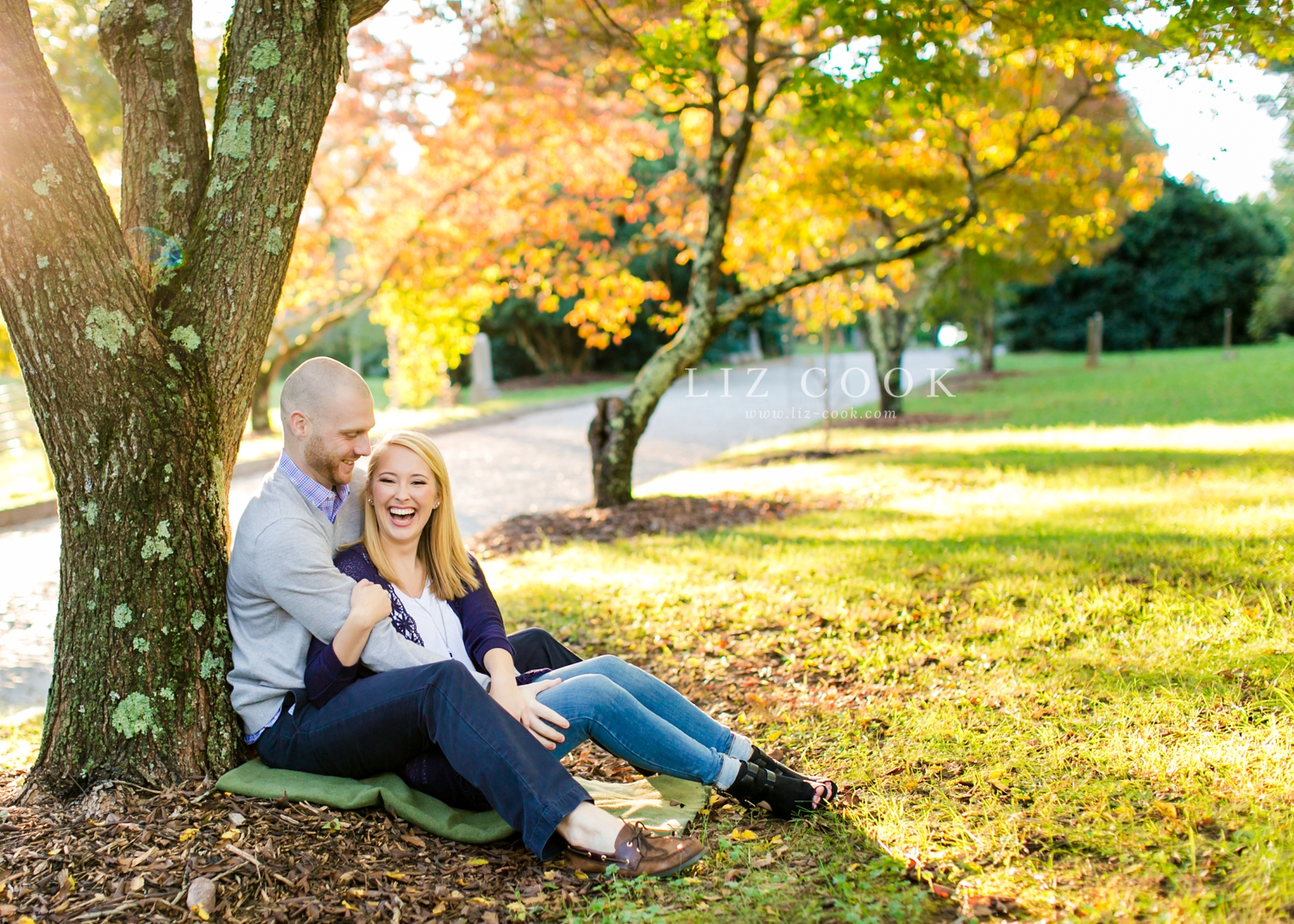 lynchburg-virginia-old-city-cemetery-engagement-pictures_0012.jpg