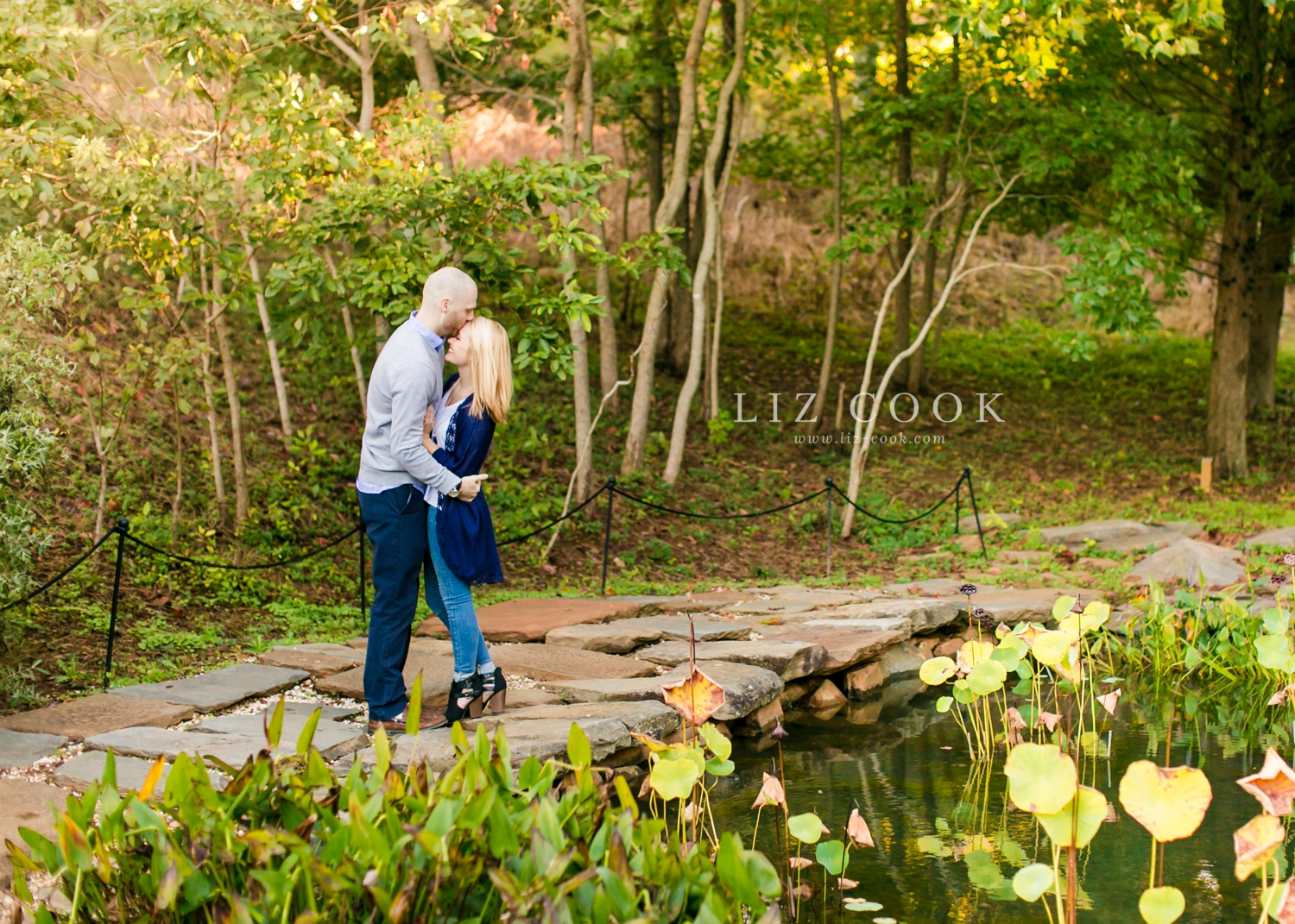 lynchburg-virginia-old-city-cemetery-engagement-pictures_0022.jpg