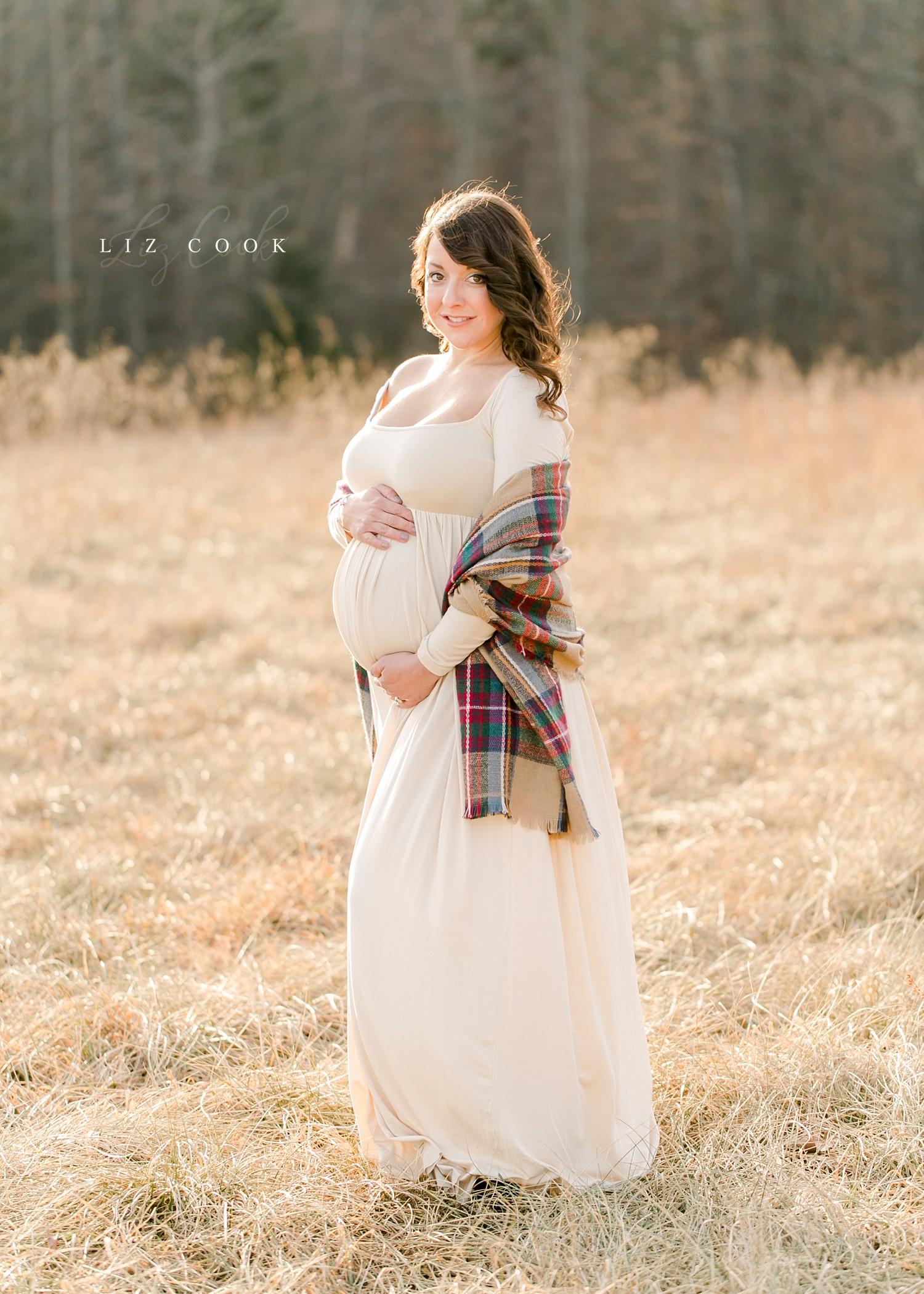 lynchburg-virginia-winter-maternity-photos-_0012.jpg
