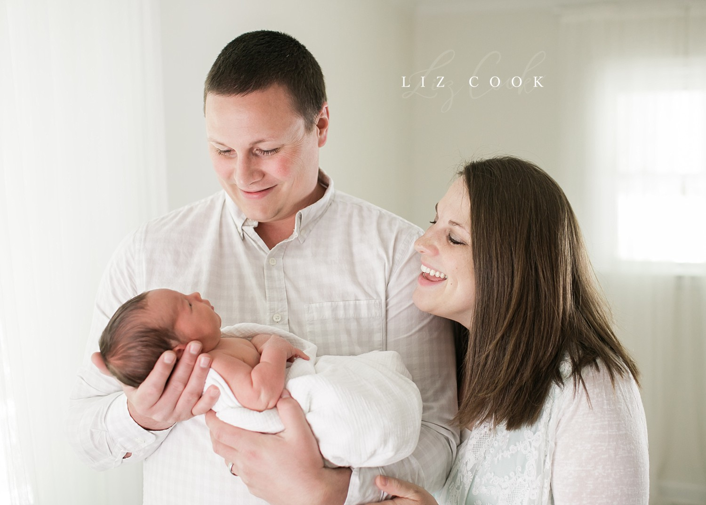 lynchburg-virginia-studio-newborn-photos-_0014.jpg