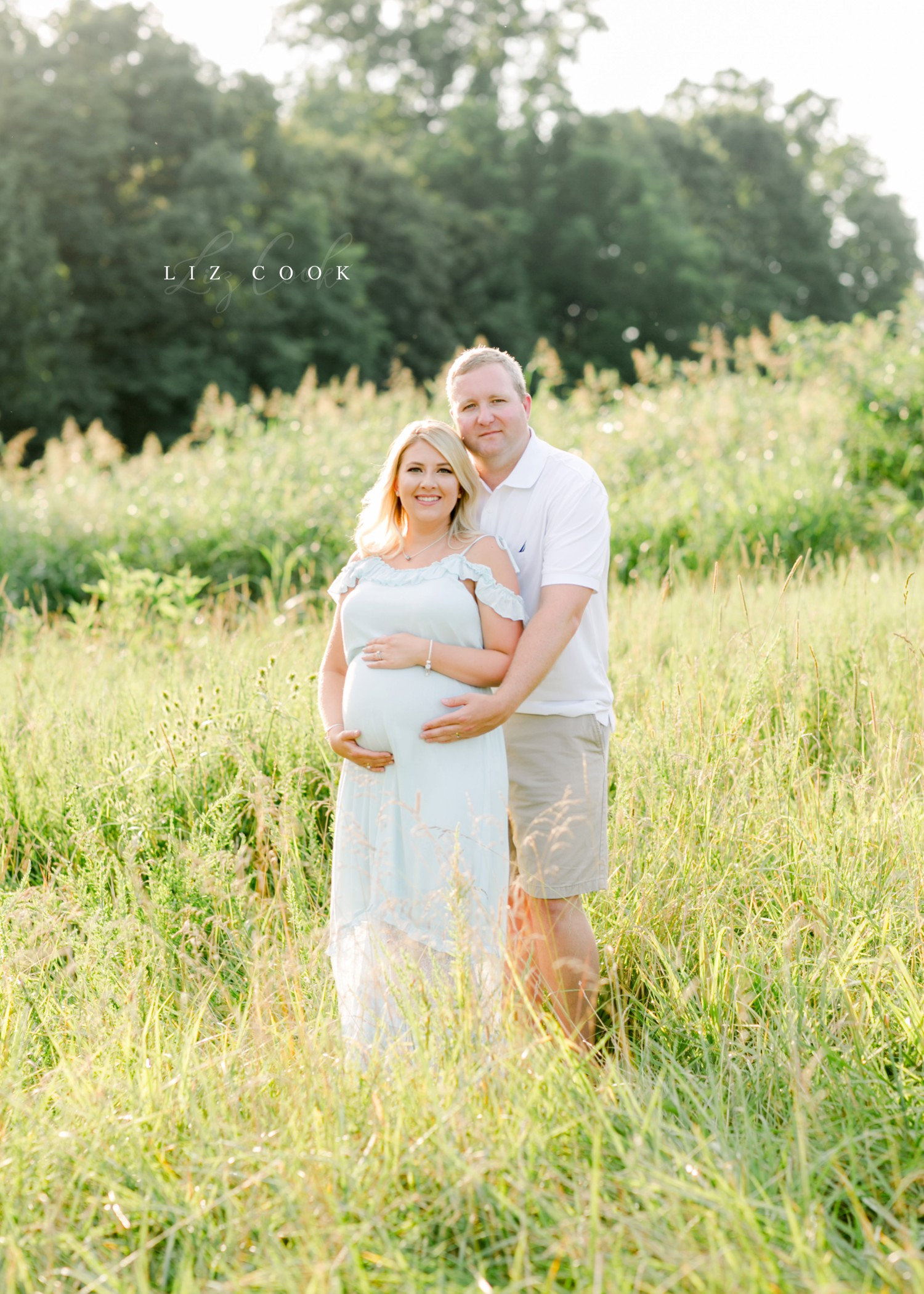 Lynchburg-Virginia-Maternity-Pictures-in-a-Field-Forest-Virginia-Photos-014.JPG