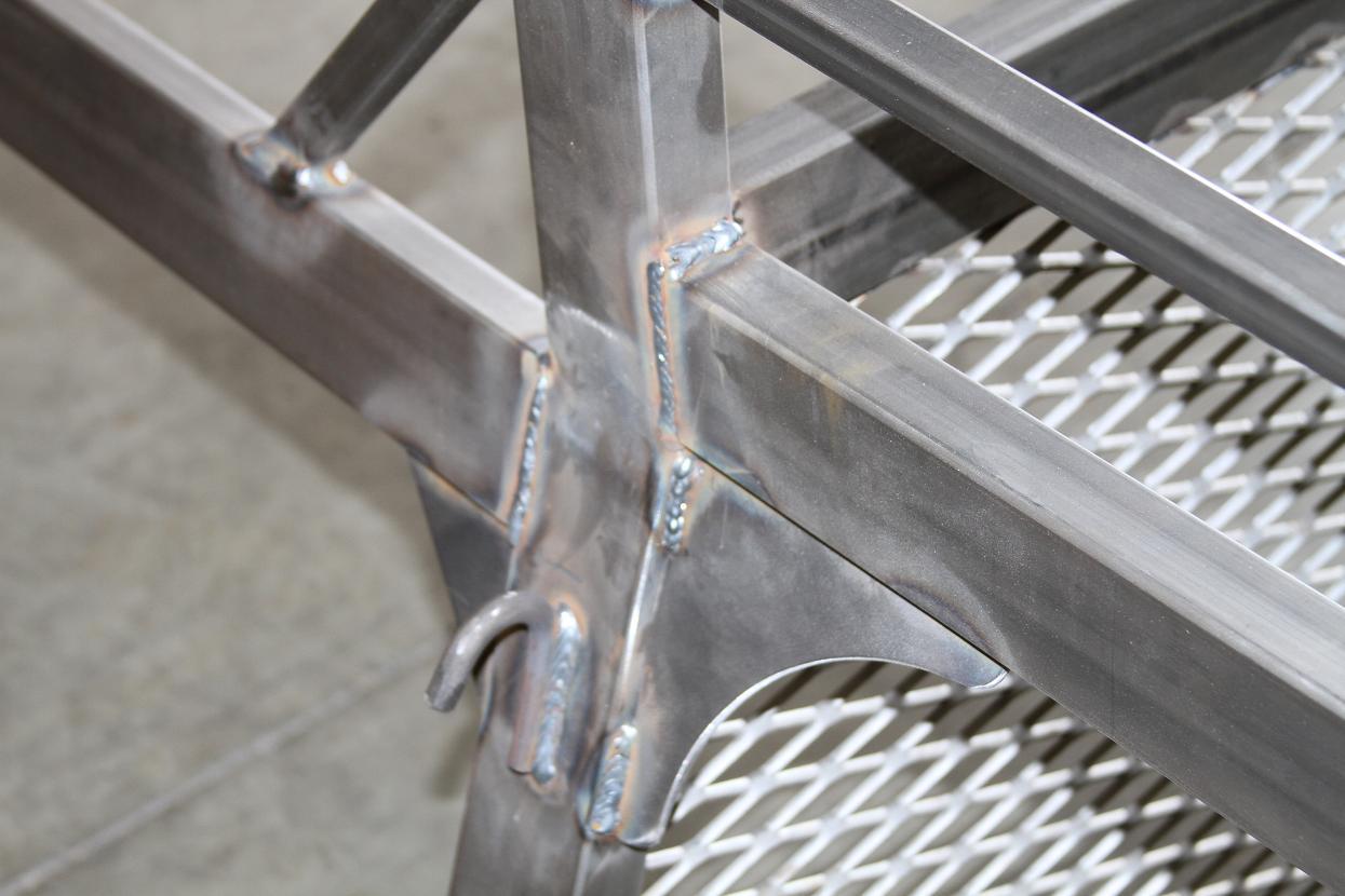 Fabrication 033crop.JPG