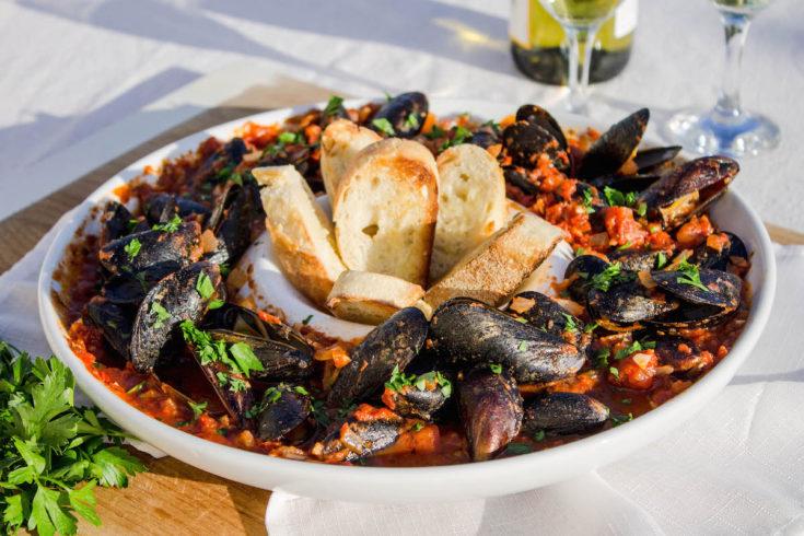 mussels-with-marinara-sauce-12-copy-735x490.jpg