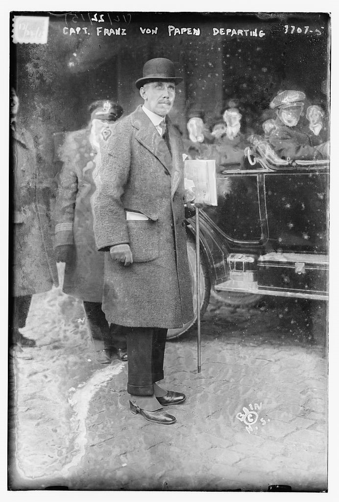 Franz von Papen in 1915 on his way home after he had been expelled from the U.S.