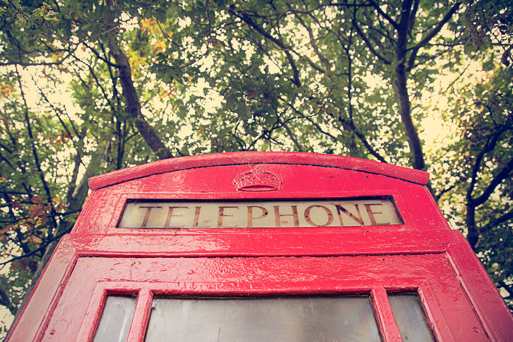 red-telephone-box-england-patrick-sanders