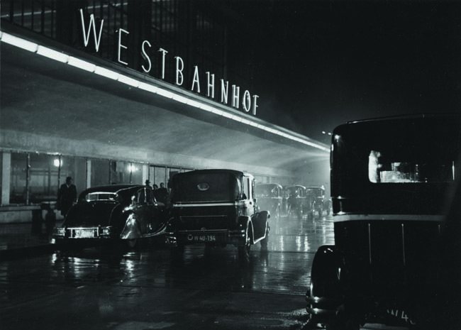 A scene from the small masterpiece of film noir Adventure in Vienna