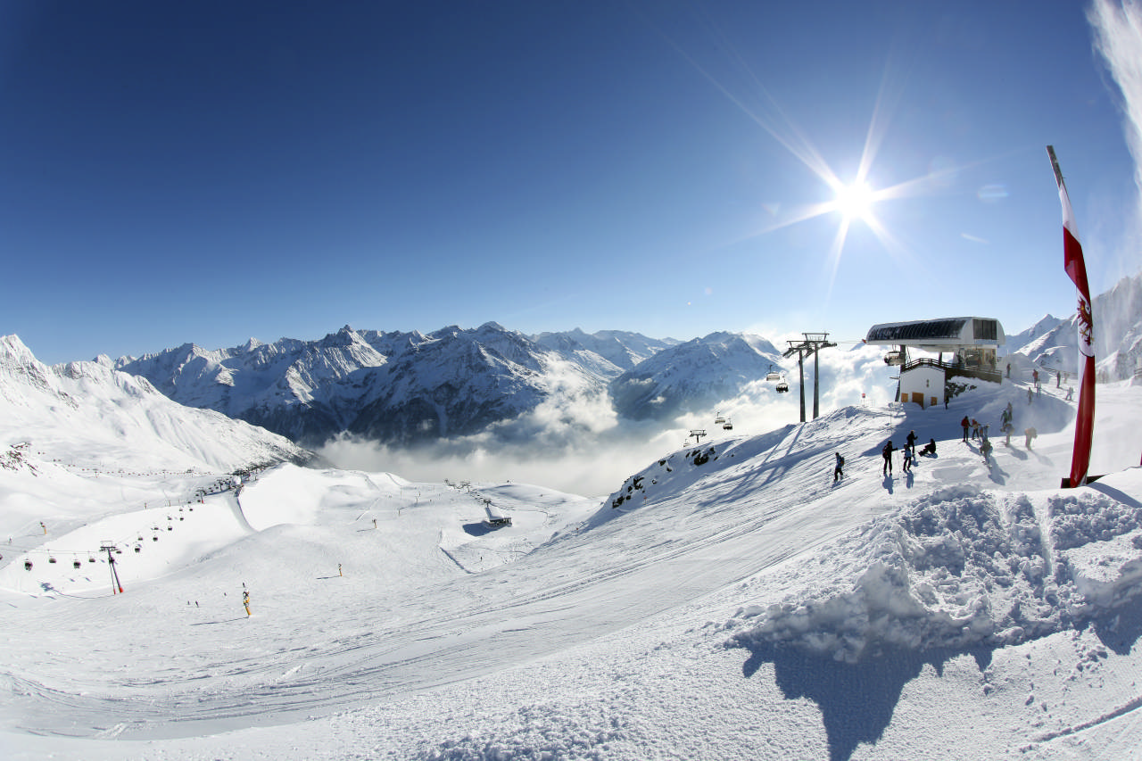 The Ötz Valley is the Tyrol's longest side valley and a popular tours destination©Ötztal Tourismus/Isidor Nösig
