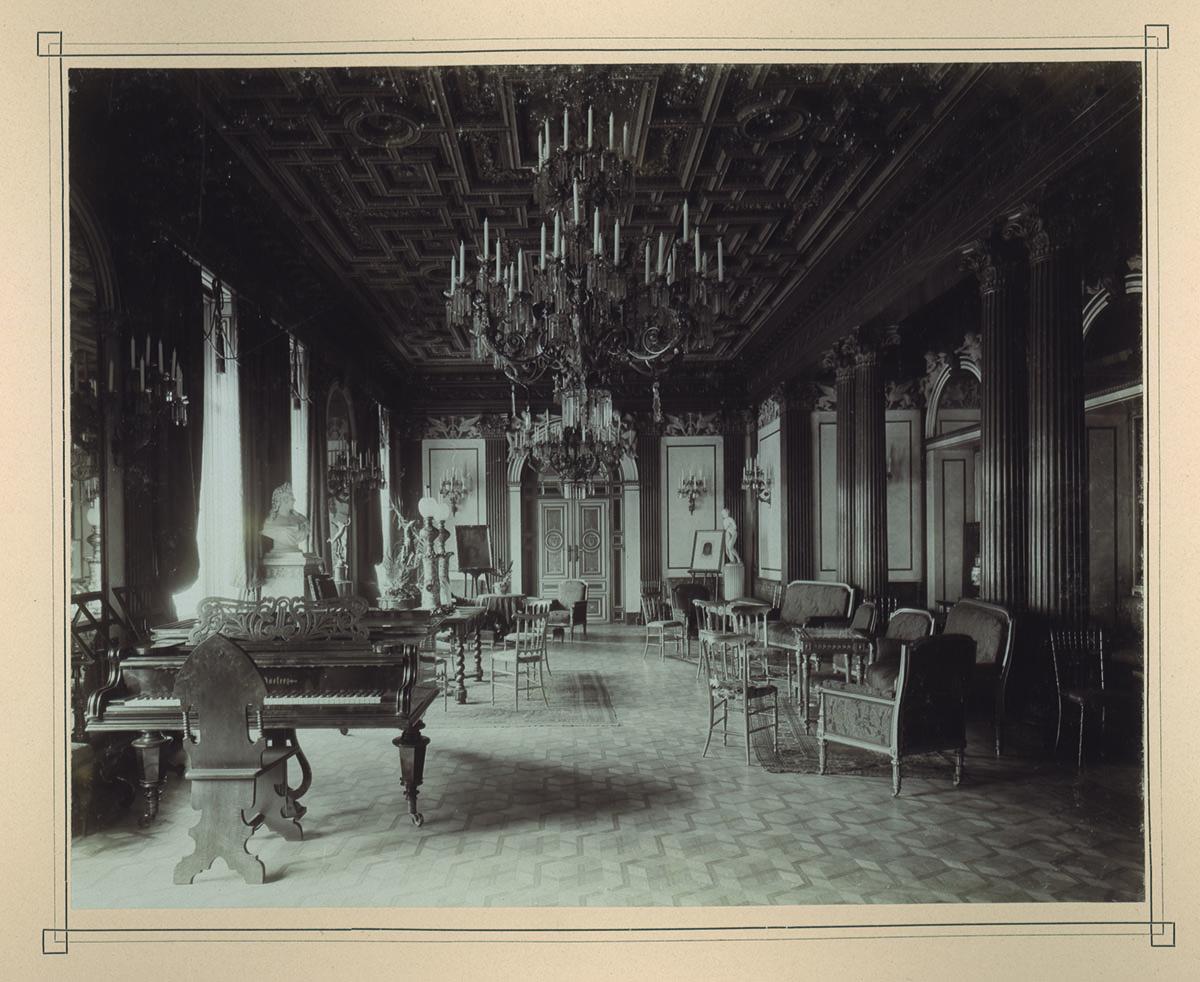 A salon in the palais todesco, vienna 1870  (Jewish Museum Vienna)