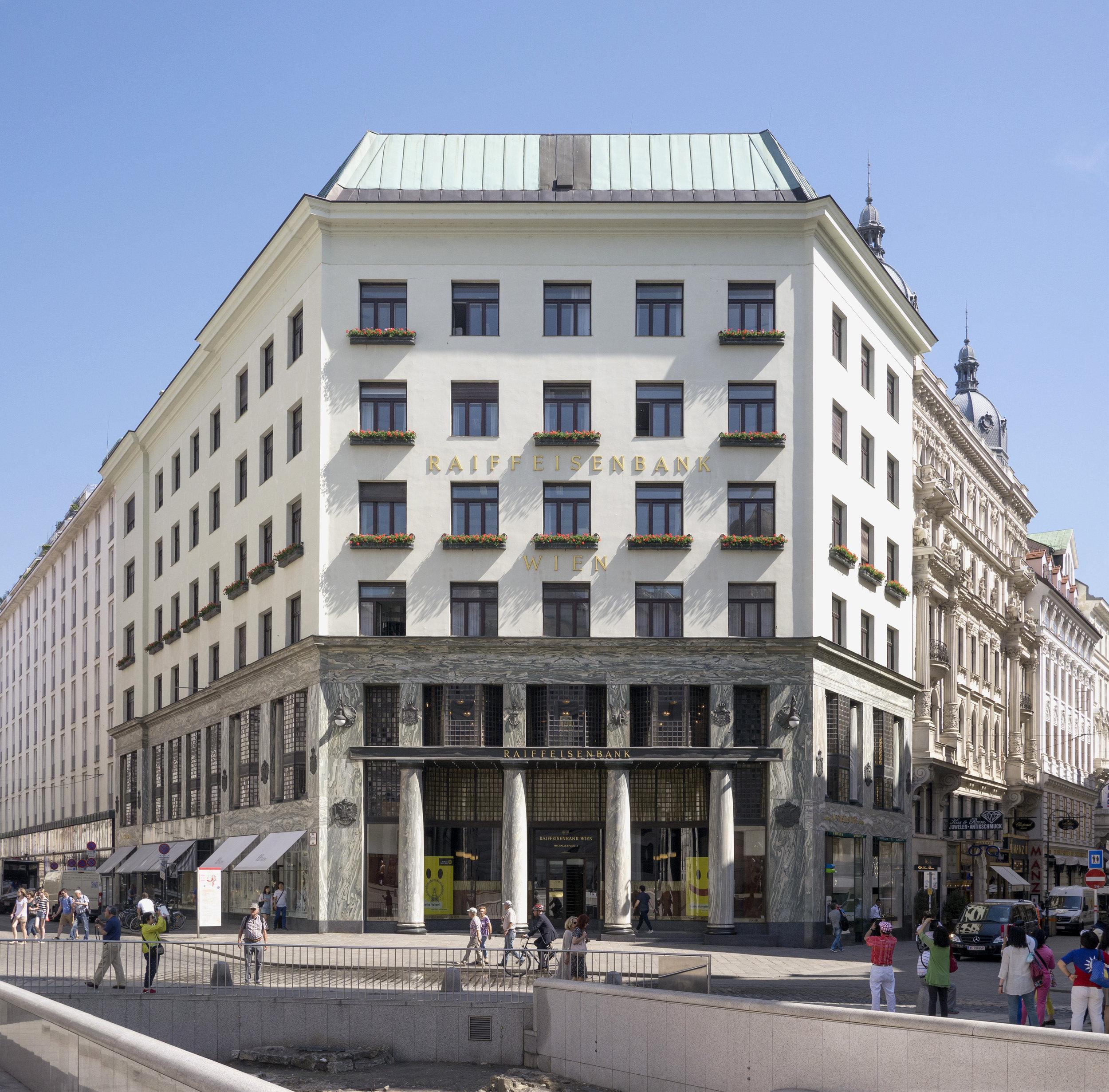 Adolf Loos,  Looshaus  on Michaelerplatz, Vienna, 1910. Wikiemdia/ Thomas Ledl