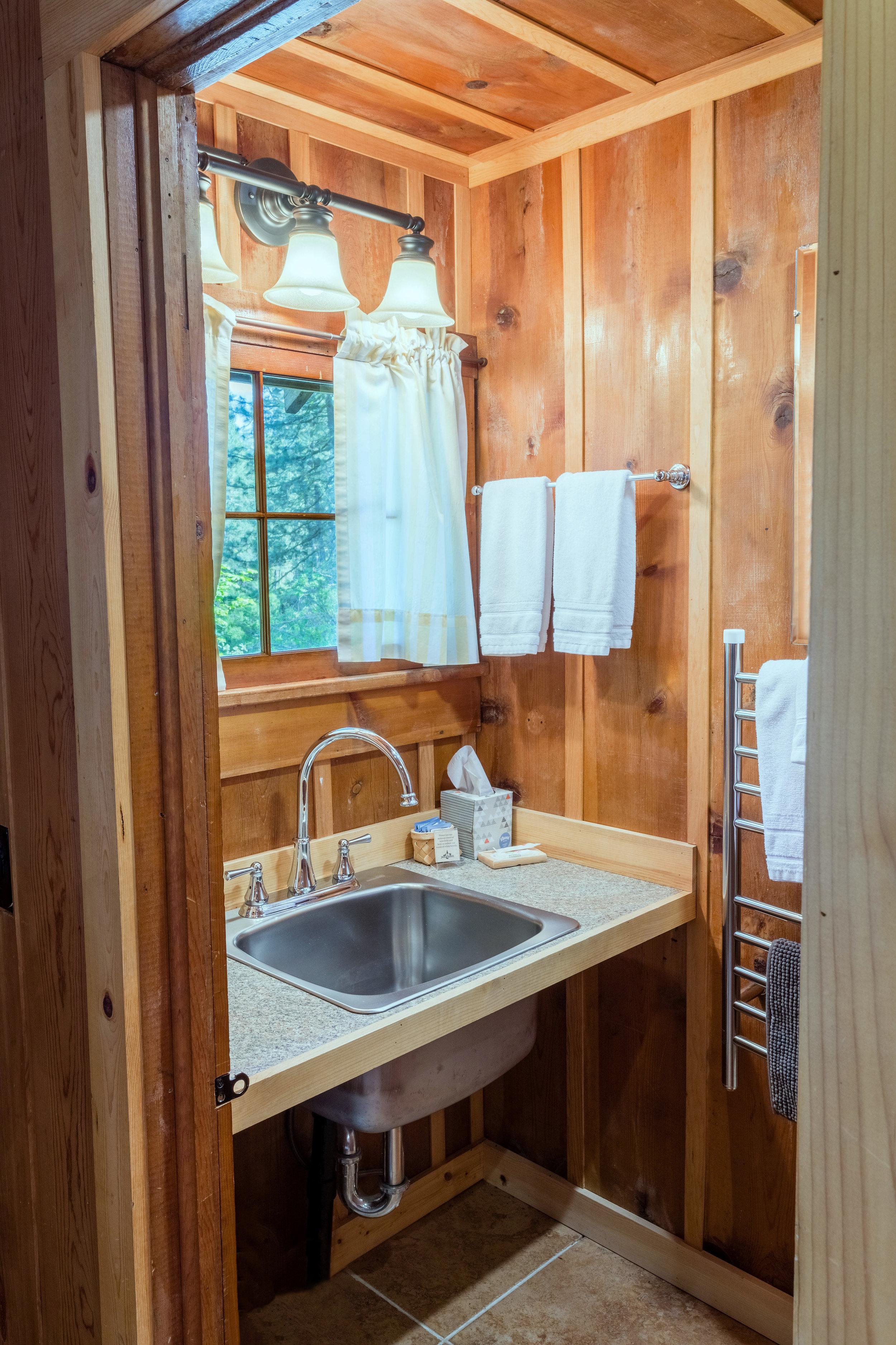 Eleanor Kitchen Bathroom Nord1433.jpg