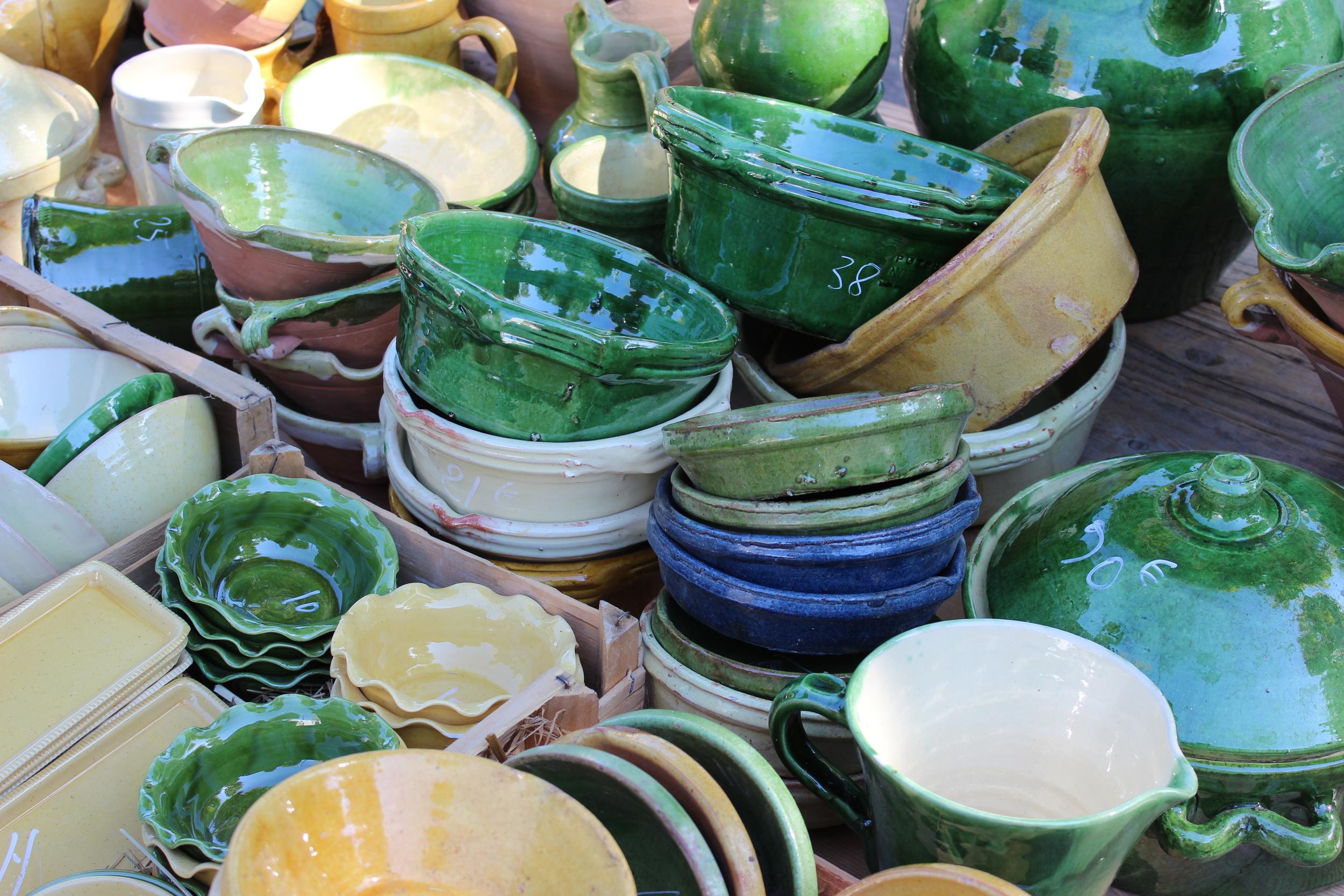 Provençal pottery at the Saint Remy market (Elspeth Copeland)