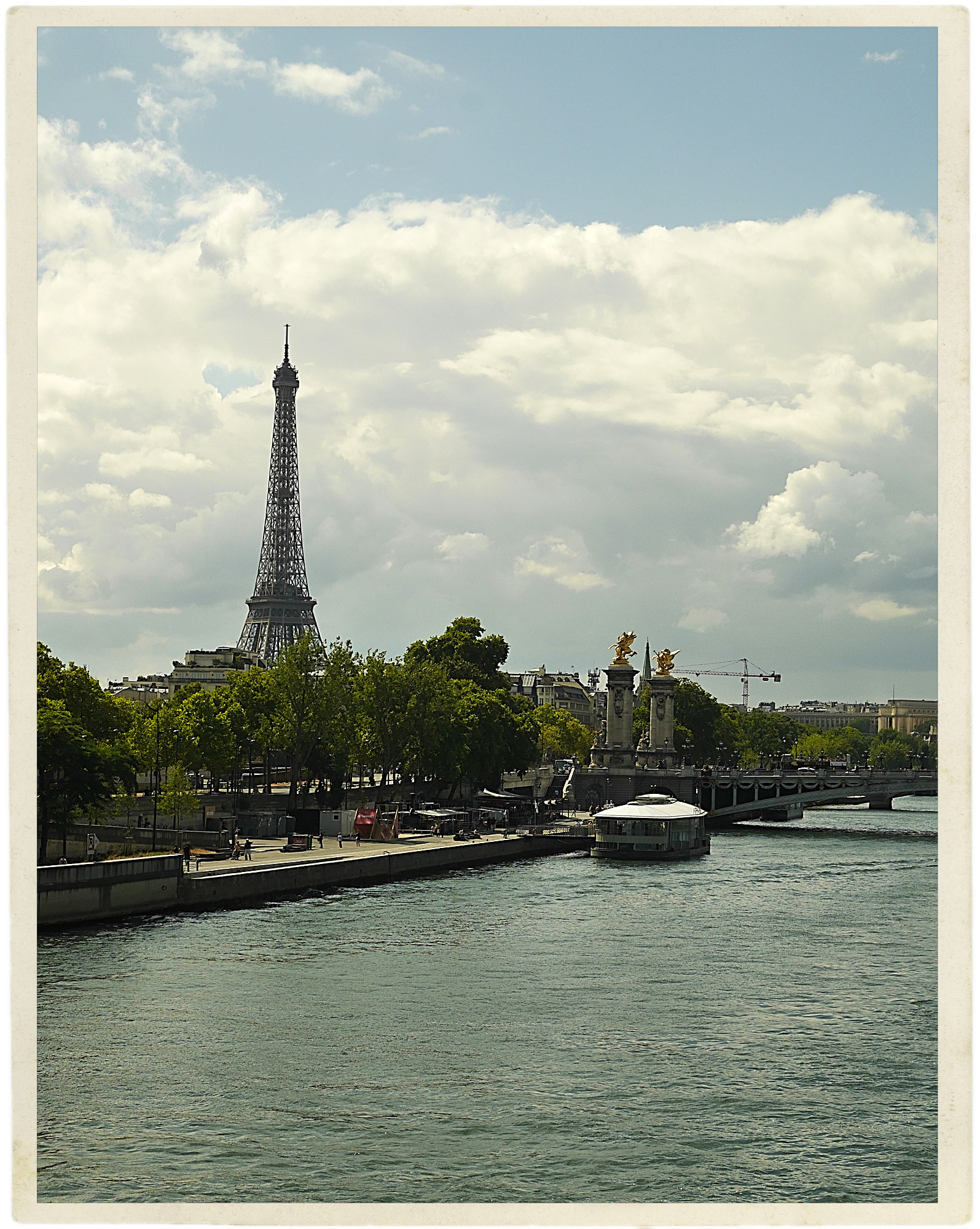 A welcoming day in Paris.
