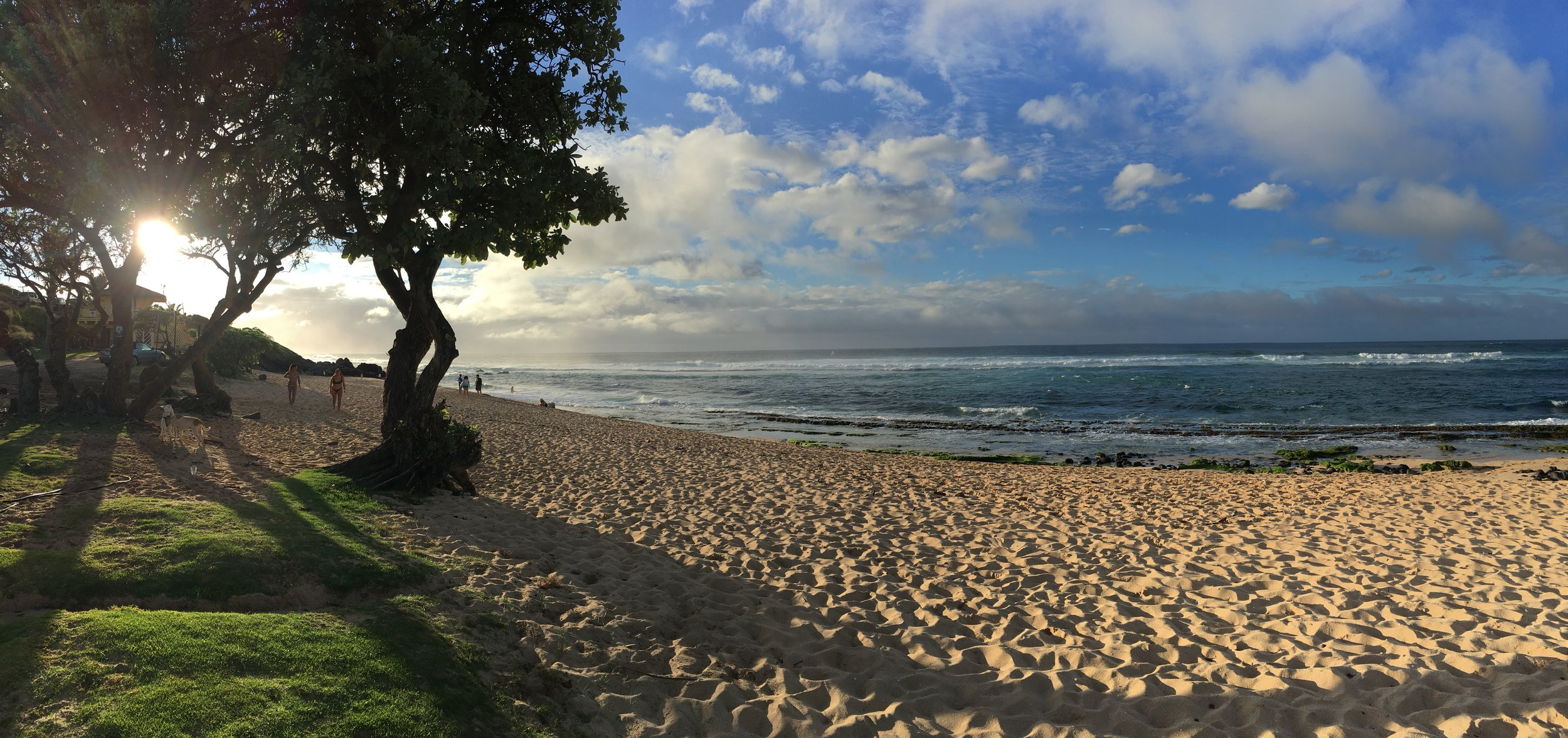 Ho'okipa Beach Park at the end of a spectacular day.