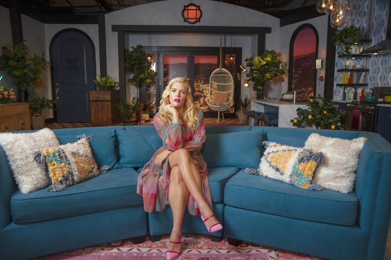 'Busy Tonight' on E! mixes warmth with homey vibes for scenic design