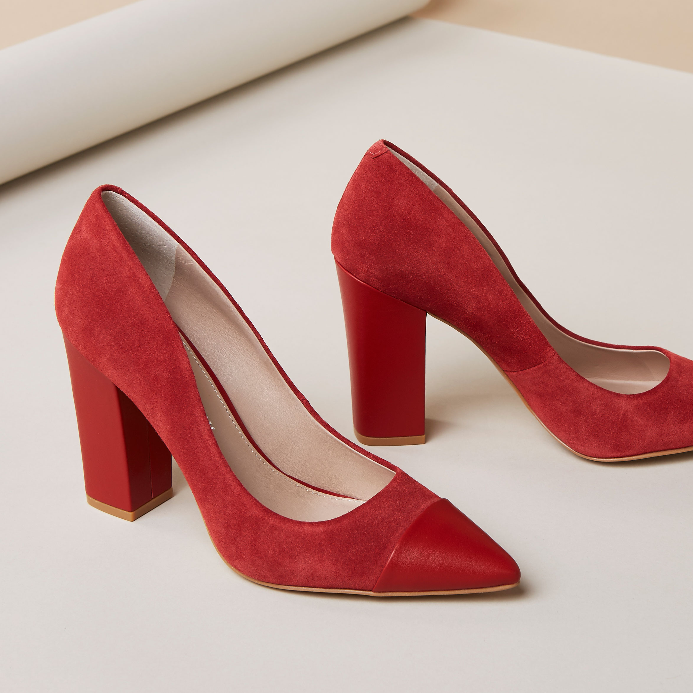 1Shoe4Ways_Red_Square.jpg