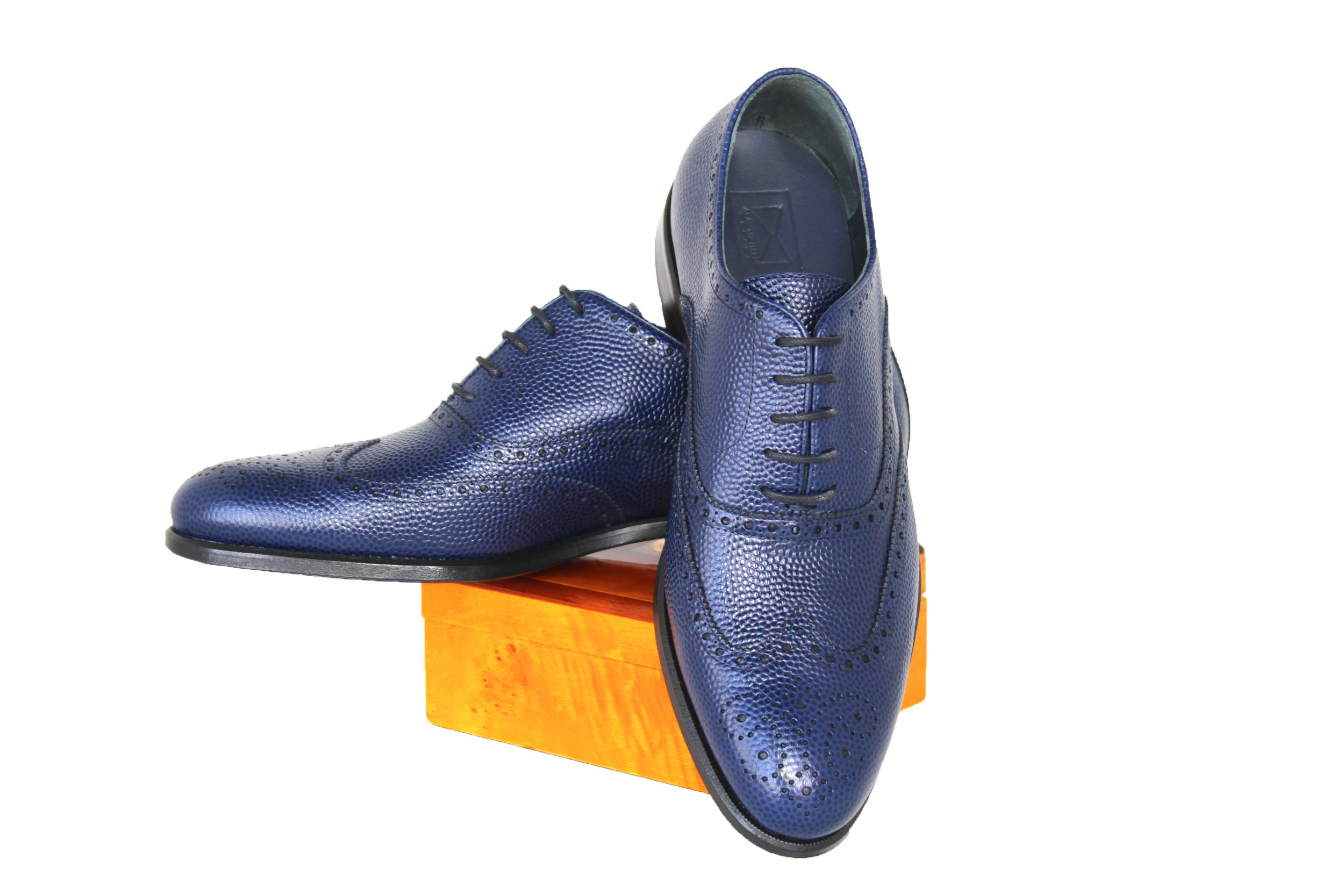03 - BLUE PEBBLE GRAIN OXFORD WITH LOGO copy.jpg