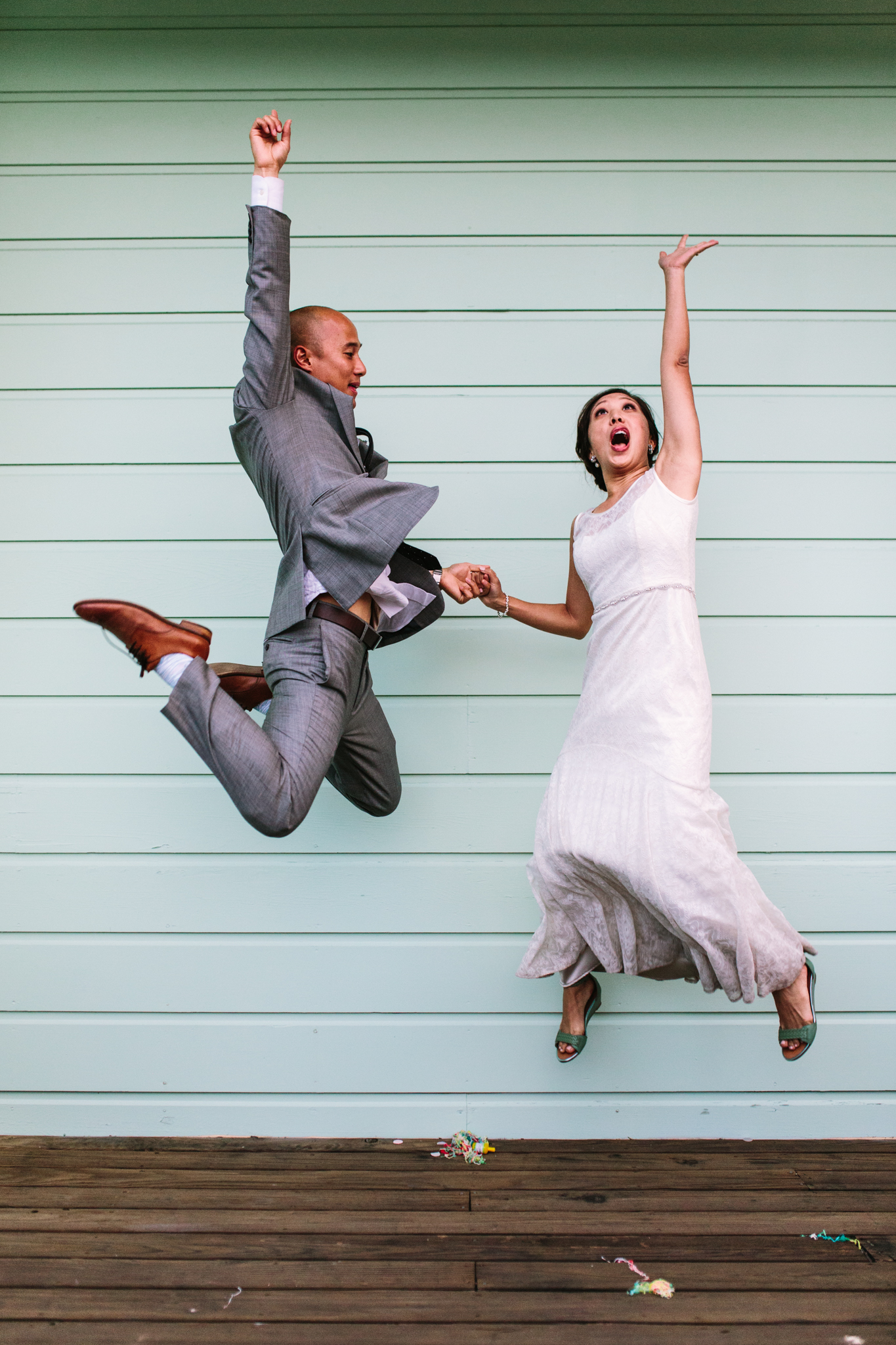 bride_groom_jump_1
