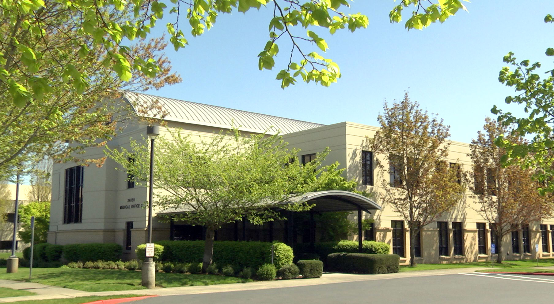 Calcagno Pediatrics is right off Stark St. in Gresham and provides easy I-84 access, ample parking, beautiful outdoor spaces and electric car charging!