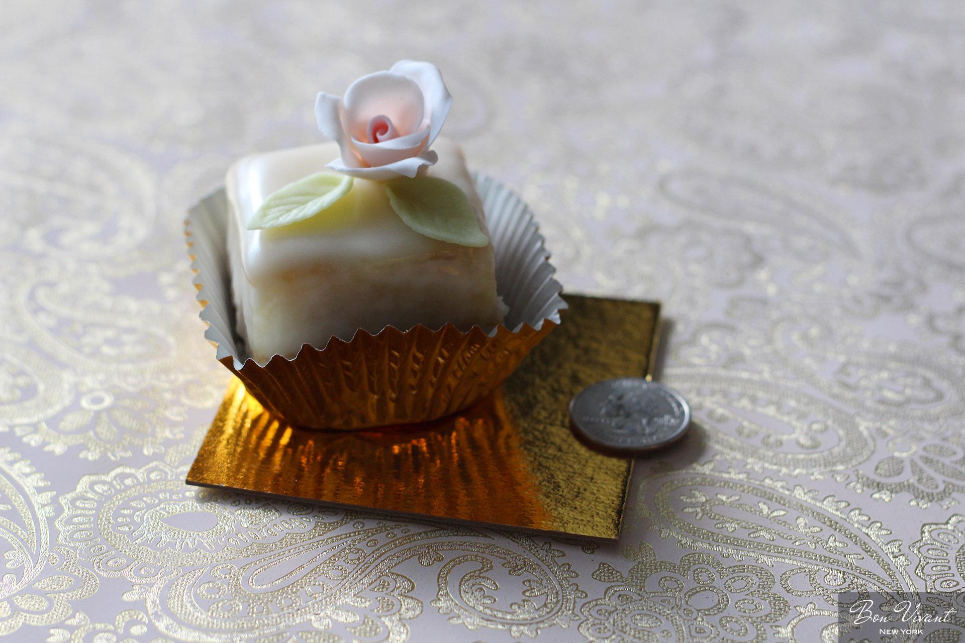 Petit Cake size