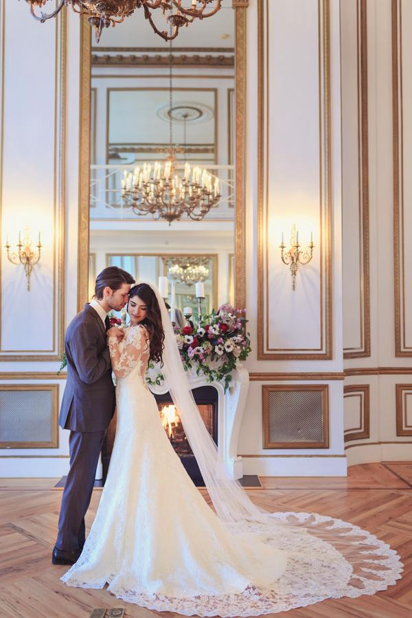 Victorian-Era-Indoor-Wedding-Inspiration-004.jpg