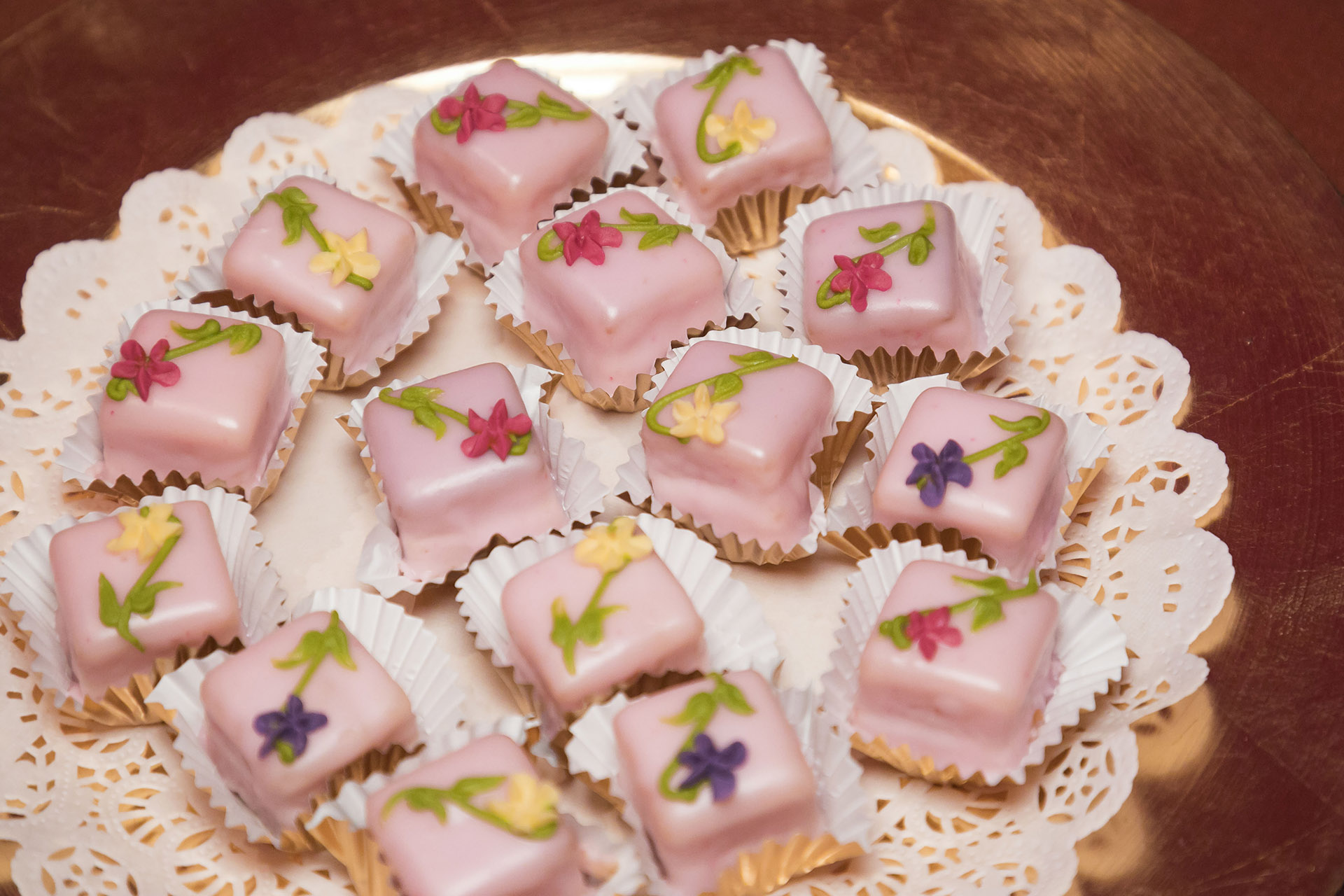 Havana themed Rose Petal Petit Four