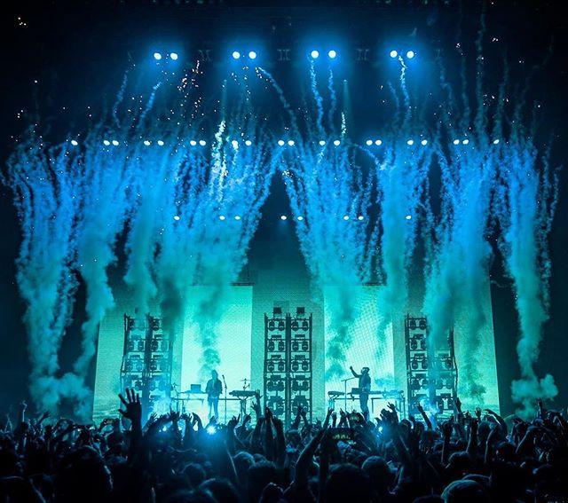 Porter X Madeon, Los Angeles, 2016 . . #porterrobinson #madeon #worlds #losangeles #california #pyrography #pyro #smoke #co2 #music #musicphotography #concert #concertphotography #b2b #highsnobiety #rollingstone #billboard #live #livemusic #complex