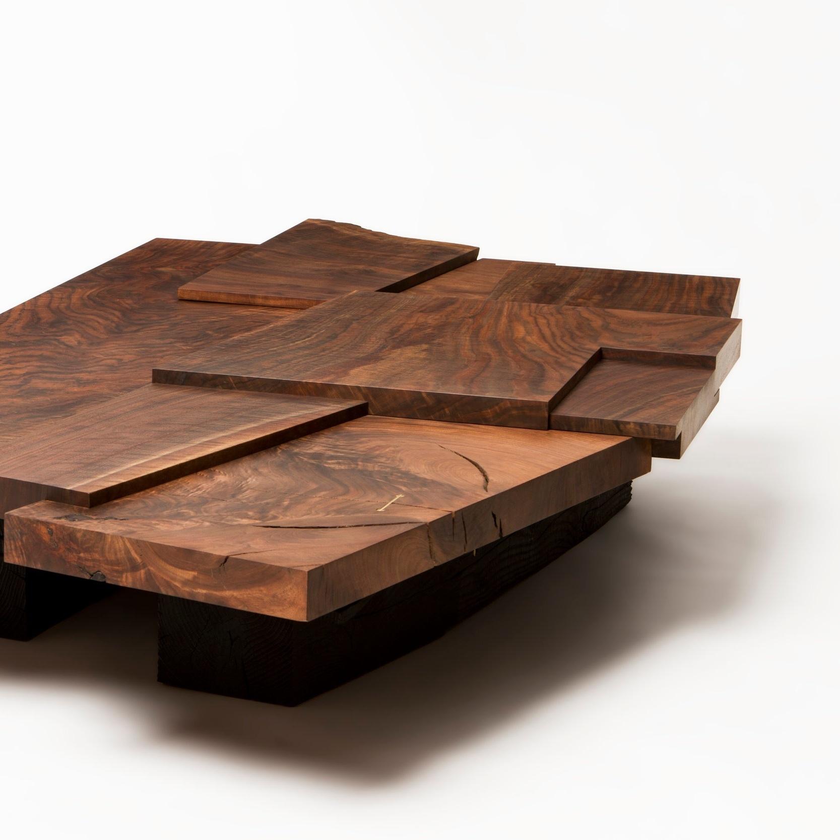 Furniture / Strike/slip table