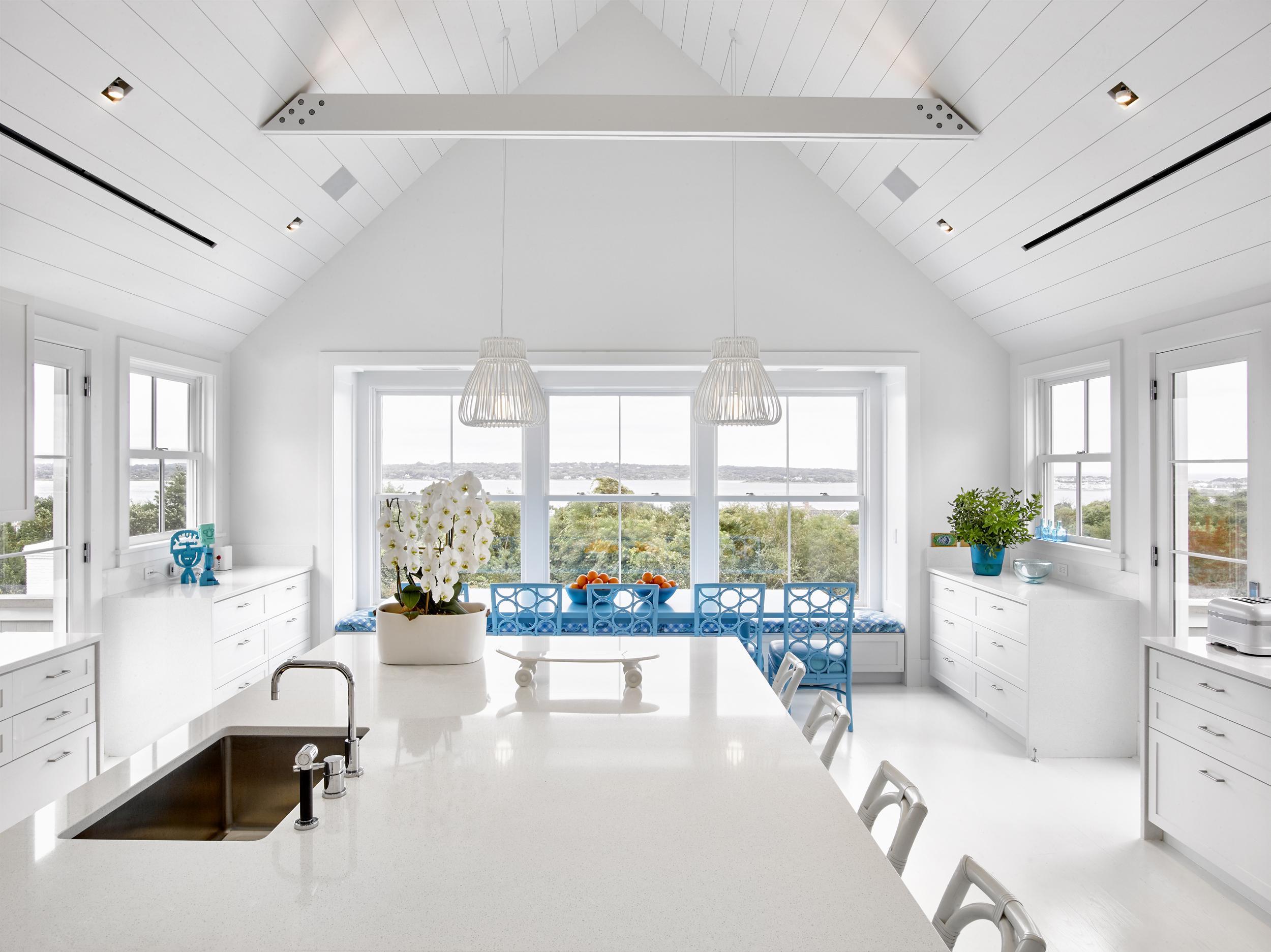 © ghislaine vinas interior design_montauk_kitchen.jpg