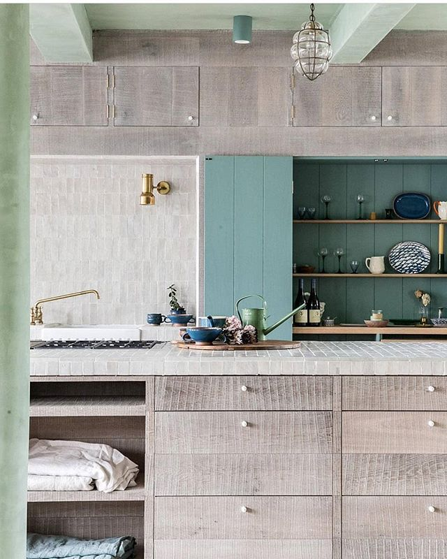 INSPIRATION • •  I've been following @chanandeayrs since first seeing a story about the home they designed for themselves in @tmagazine a few months back.  This remodel features so many unique colors, finishes and textures that combine to create a bold and original space unlike anything else out there.