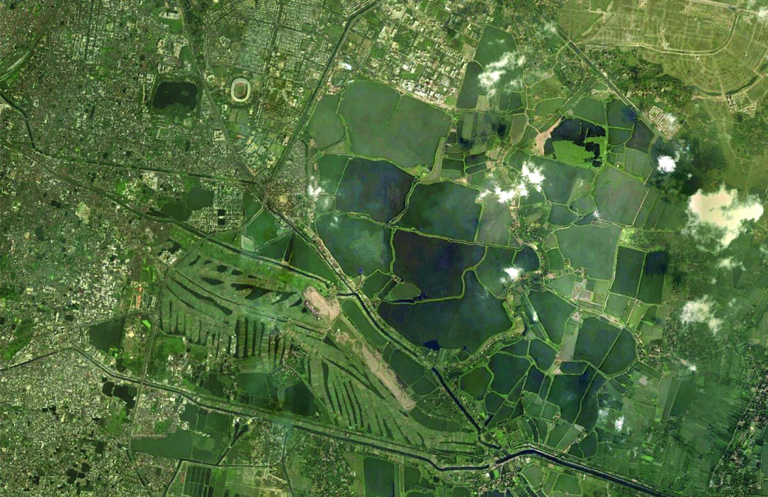 East Kolkata Wetlands Filled | Hugli Delta Distributary | Kolkata, West Bengal, India