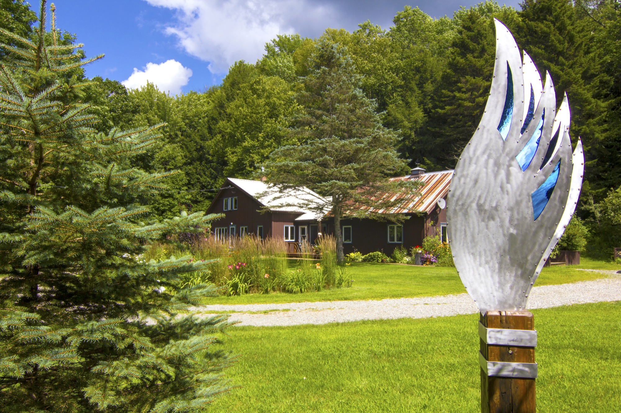 21-IMG_0537 Lipke Sculpture to House Across Drieveway.jpg
