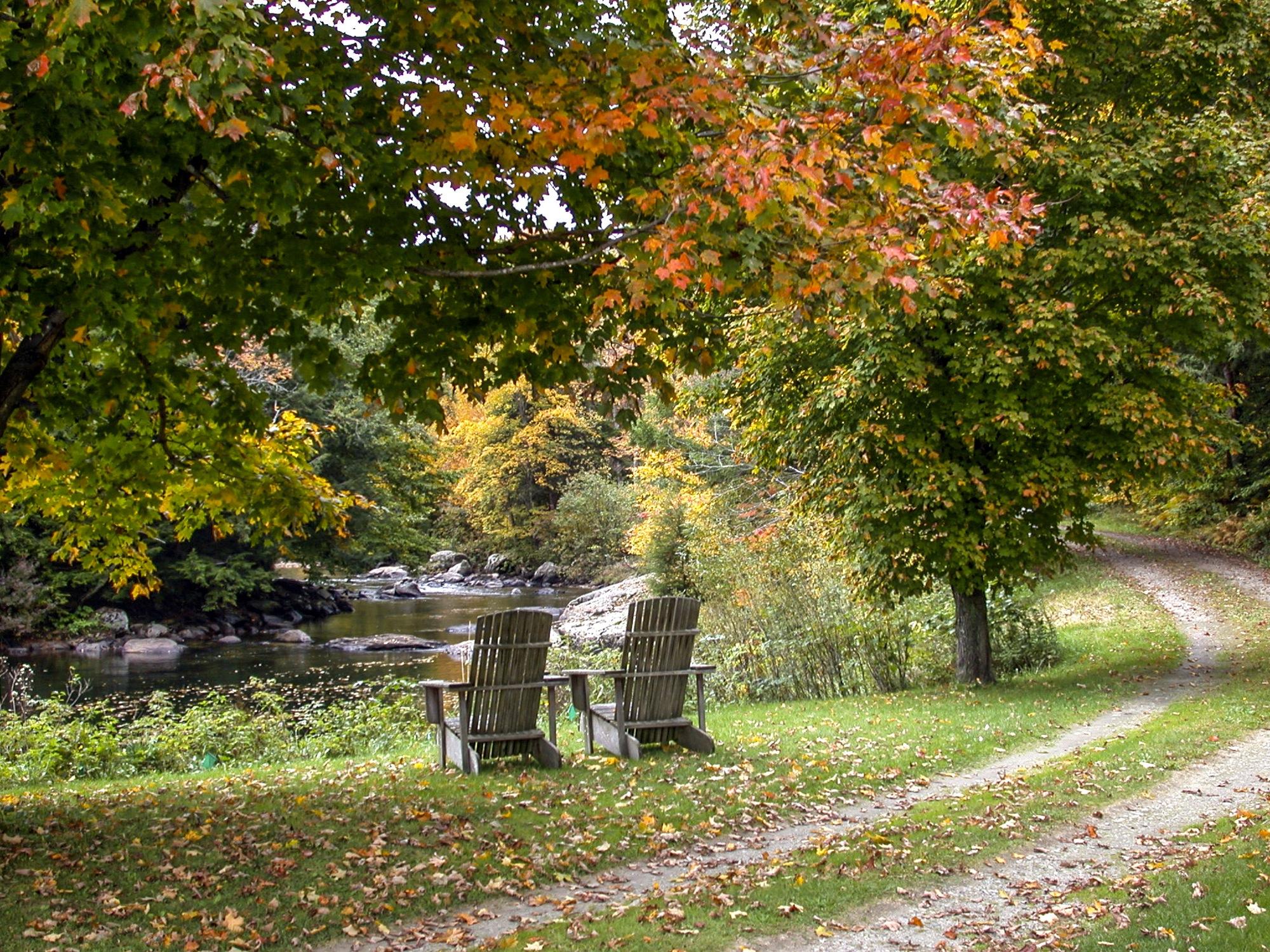 34-Lipke -- Fall chairs on river bank.jpg