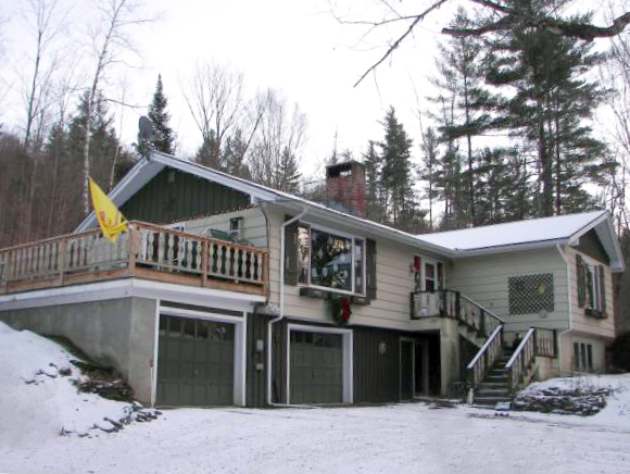 3 Bedroom home on 2.0 very private acres in Stowe VT